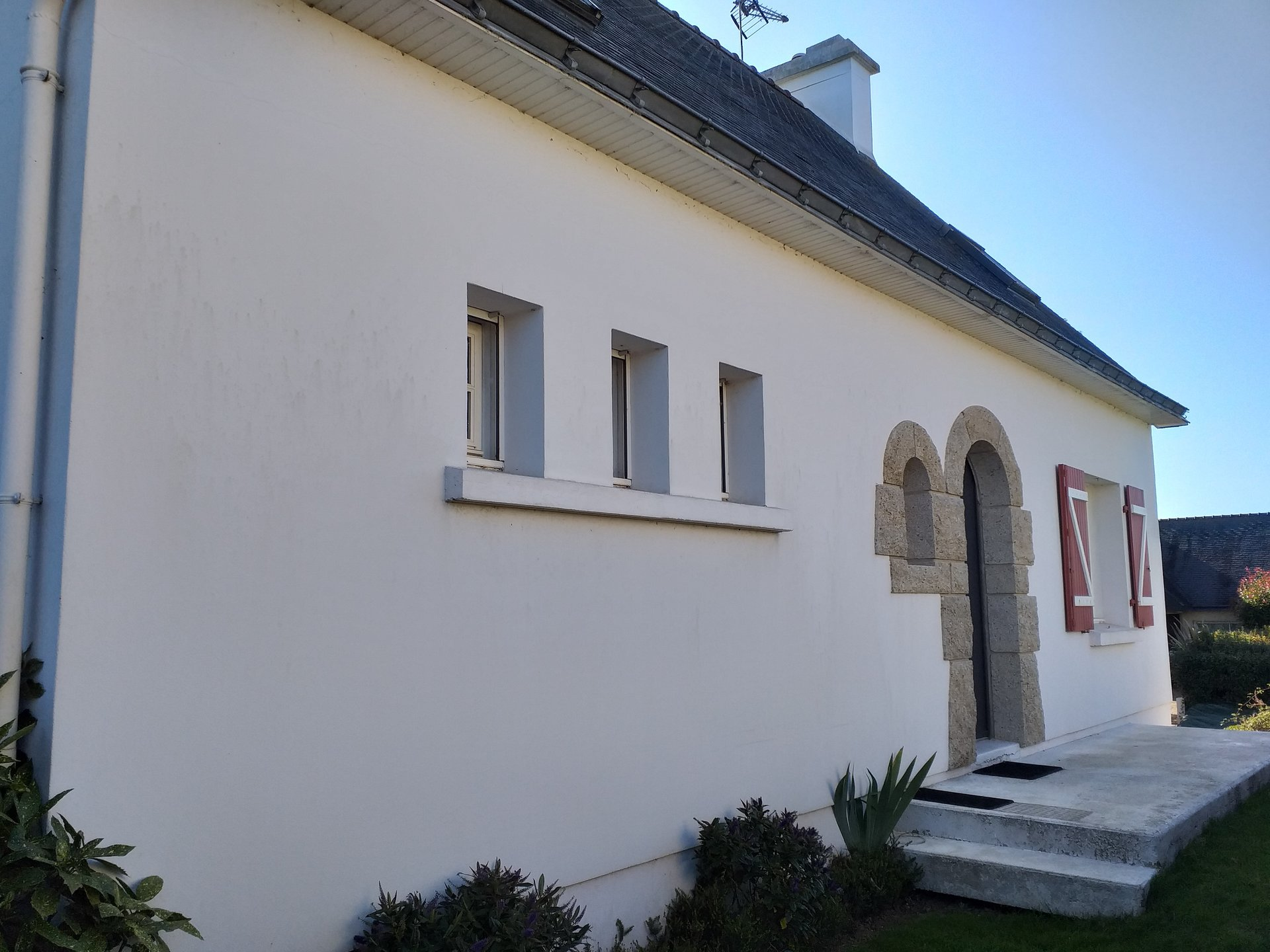 PLOUNEVEZEL 29 : Maison Traditionnelle