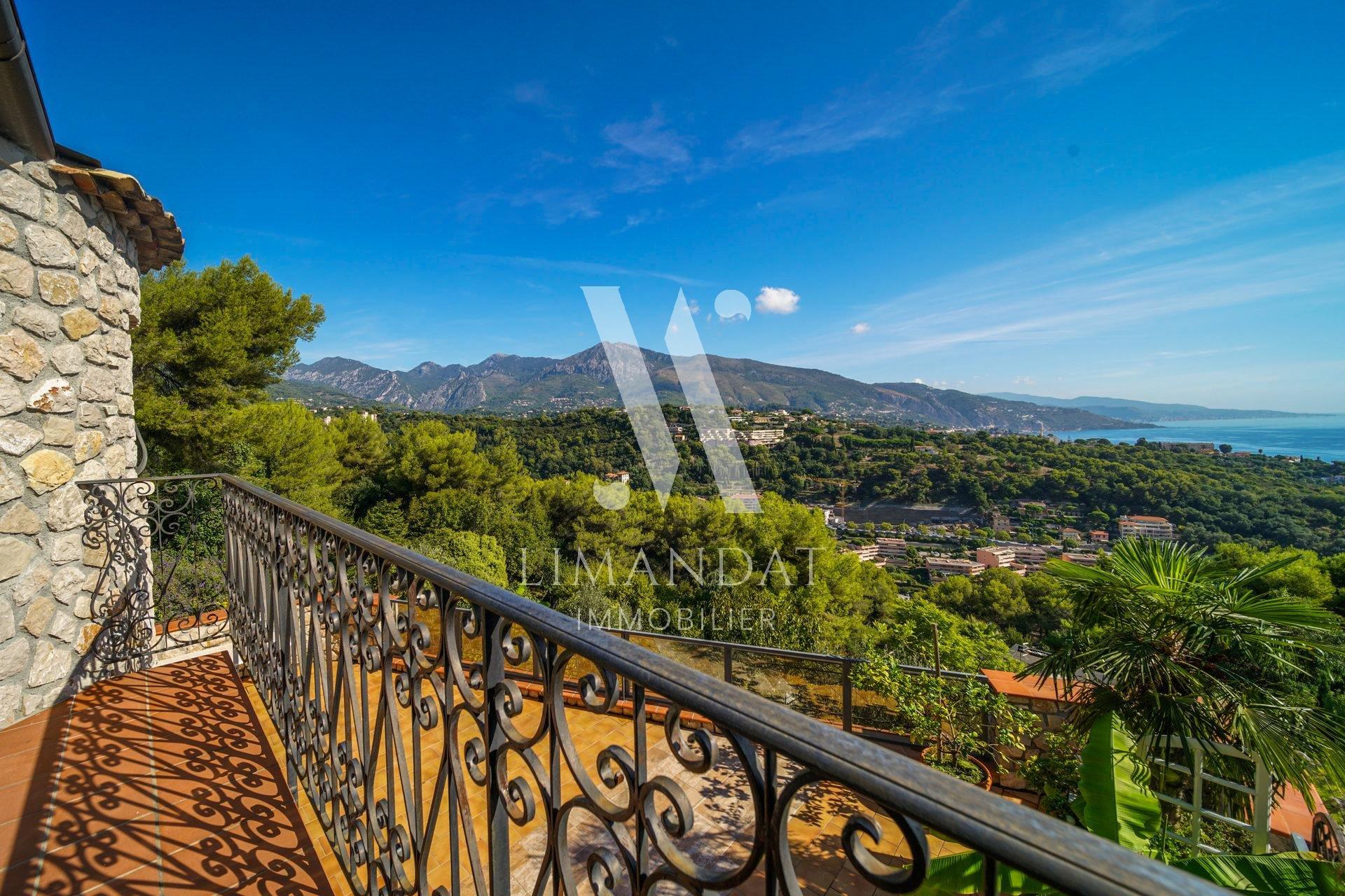 Roquebrune Cap Martin - propriété de caractère vue mer