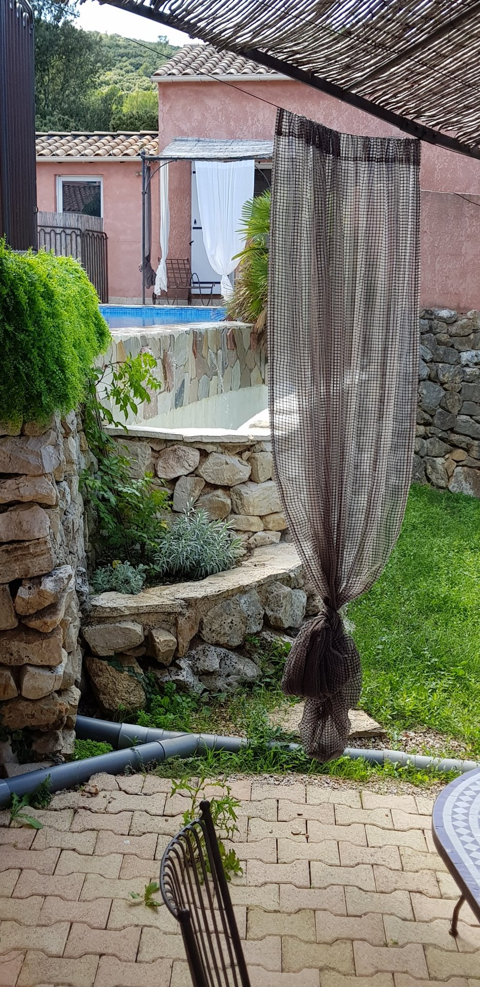 NEOULES  PROPRIETE  VILLA + 7 GITES CHAMBRES D'HOTES