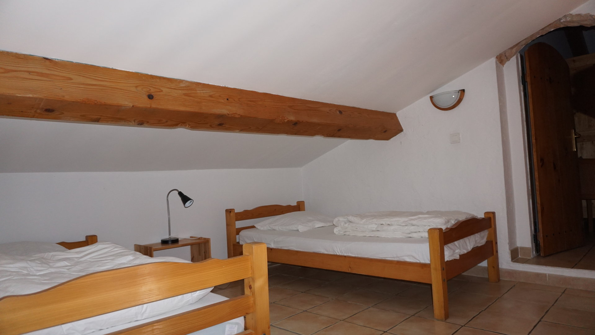 NEOULES  PROPRIETES GITES CHAMBRES D'HOTES