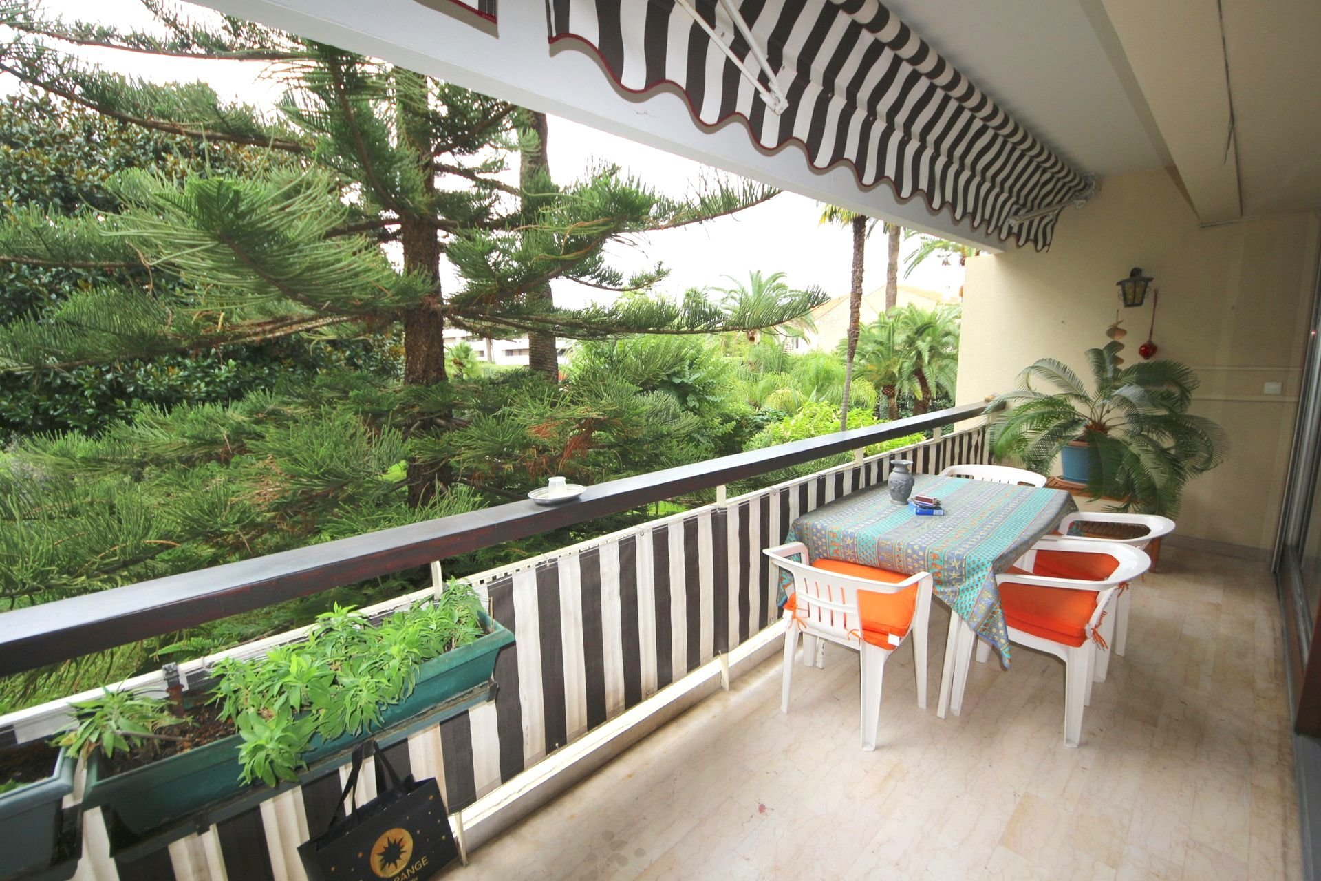 Very nice 2 Bedroom apartment with terrace 20sqm Gallia / Cannes Montfleury