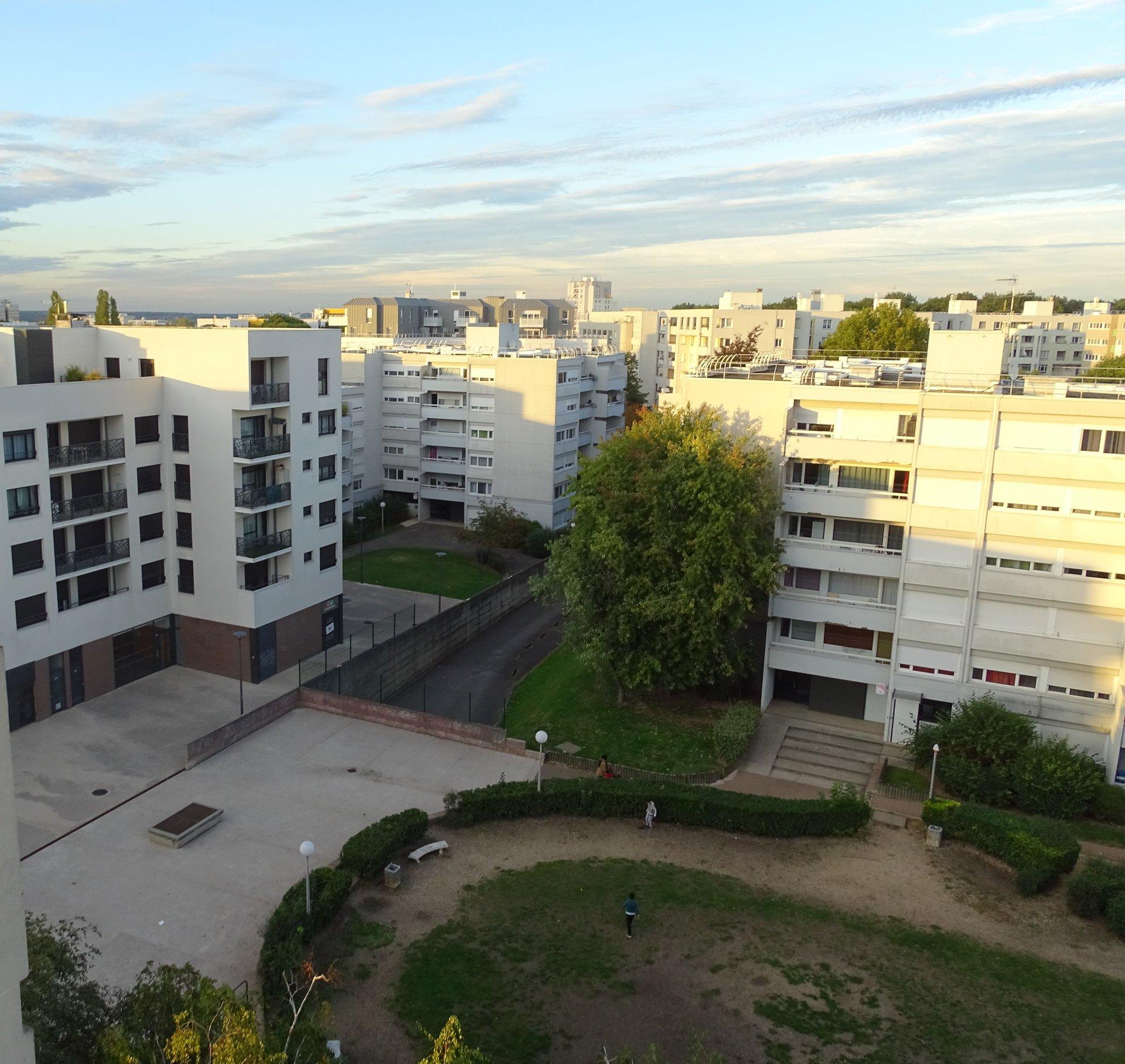 PROCHE RER A NOISY CHAMPS et FUTUR GRAND PARIS