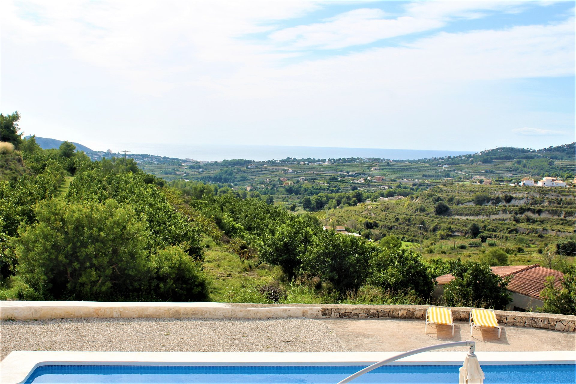 Finca with wonderful sea and valley views