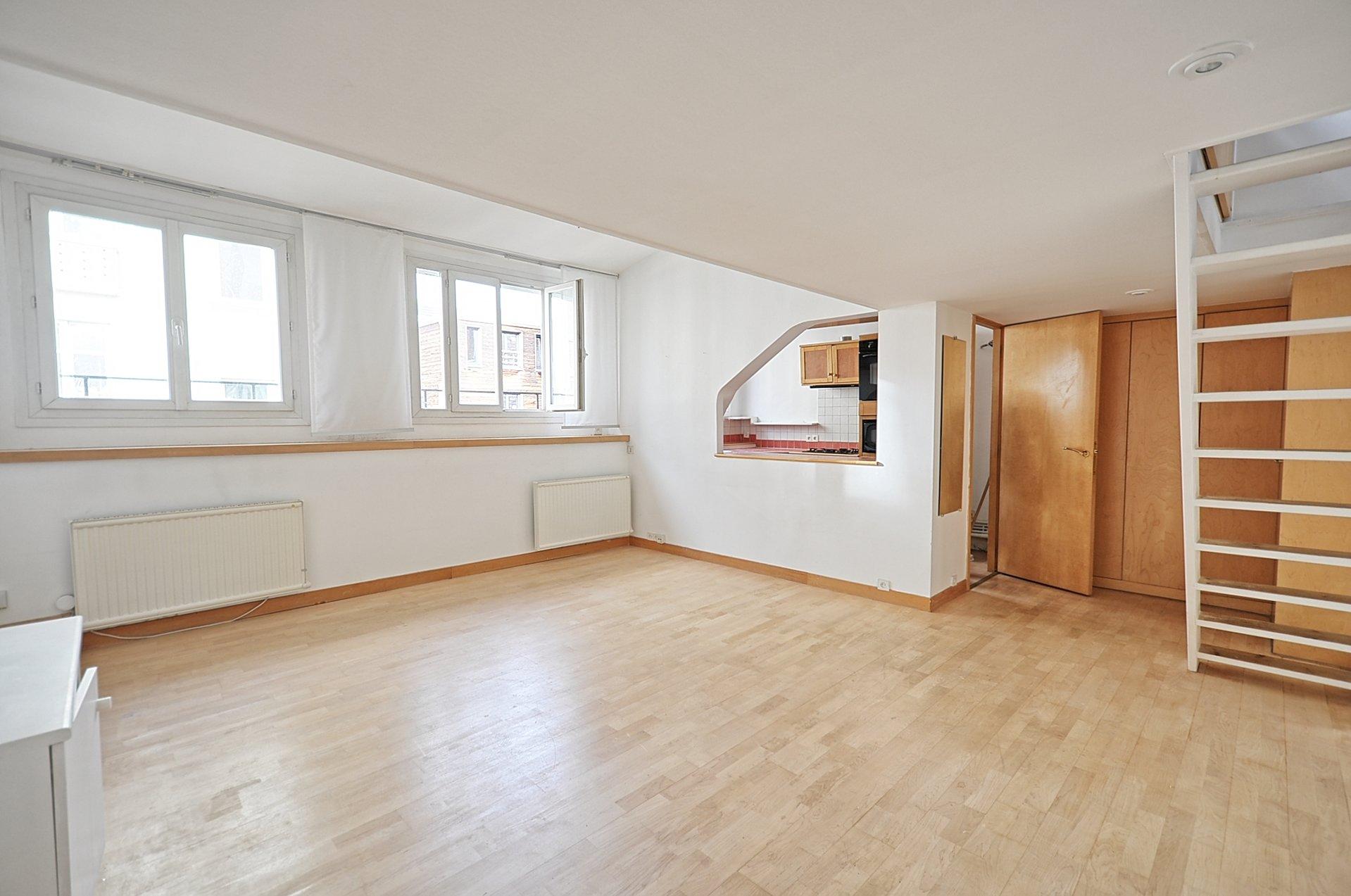 Petit duplex 4 p dernier étage - Boulogne Nord - parking