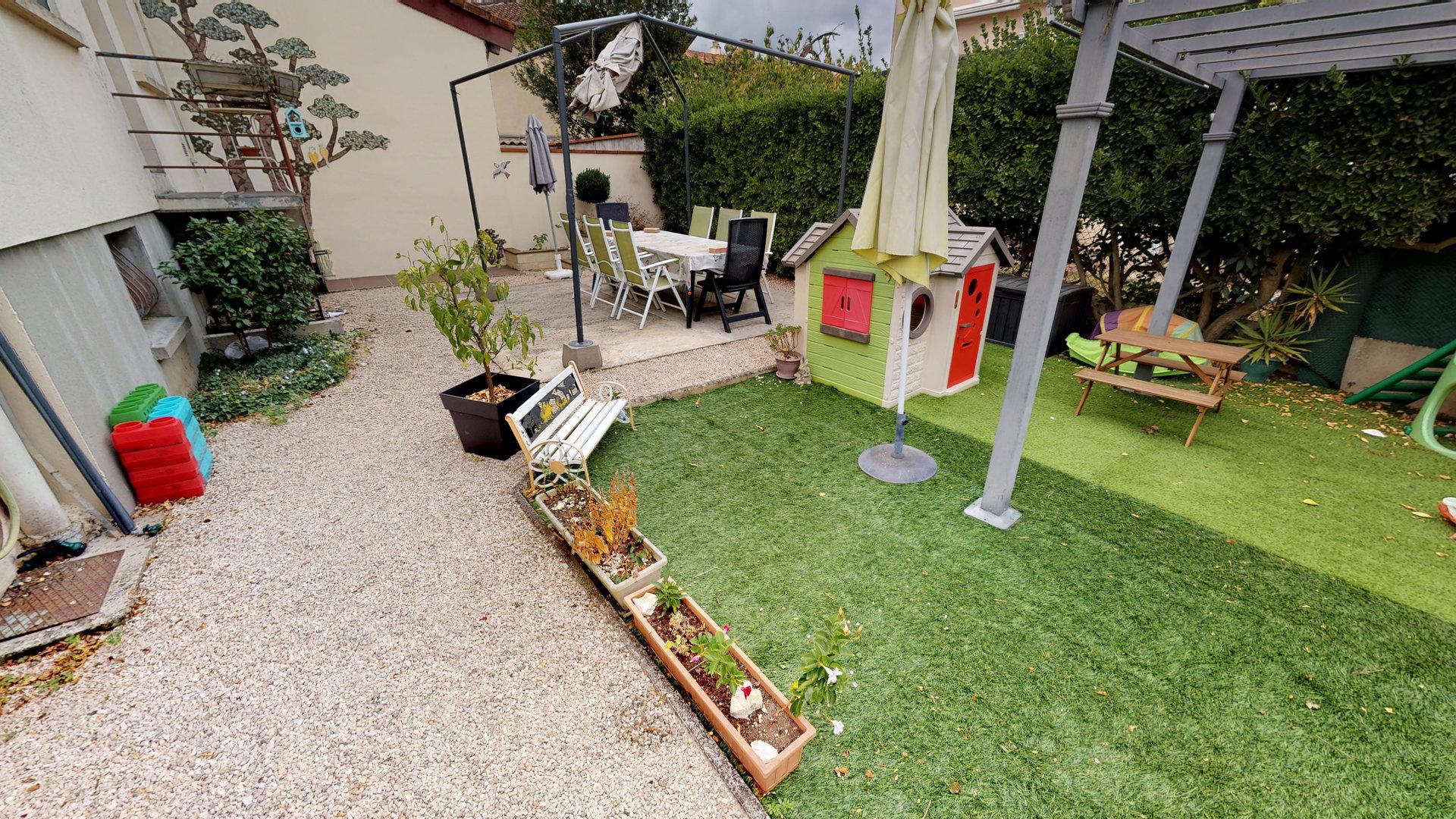 Maison T4 - Sous-sol et Garage - Proche centre-ville