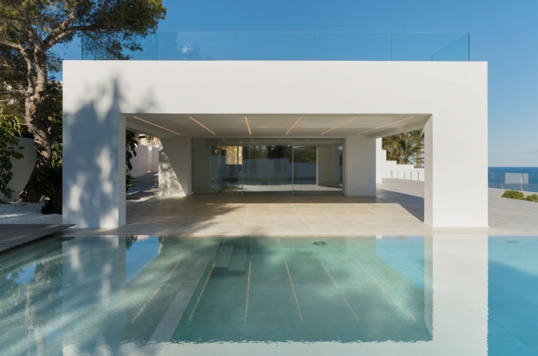 Adembenemende frontline villa met 6 slaapkamers en een wijnkelder