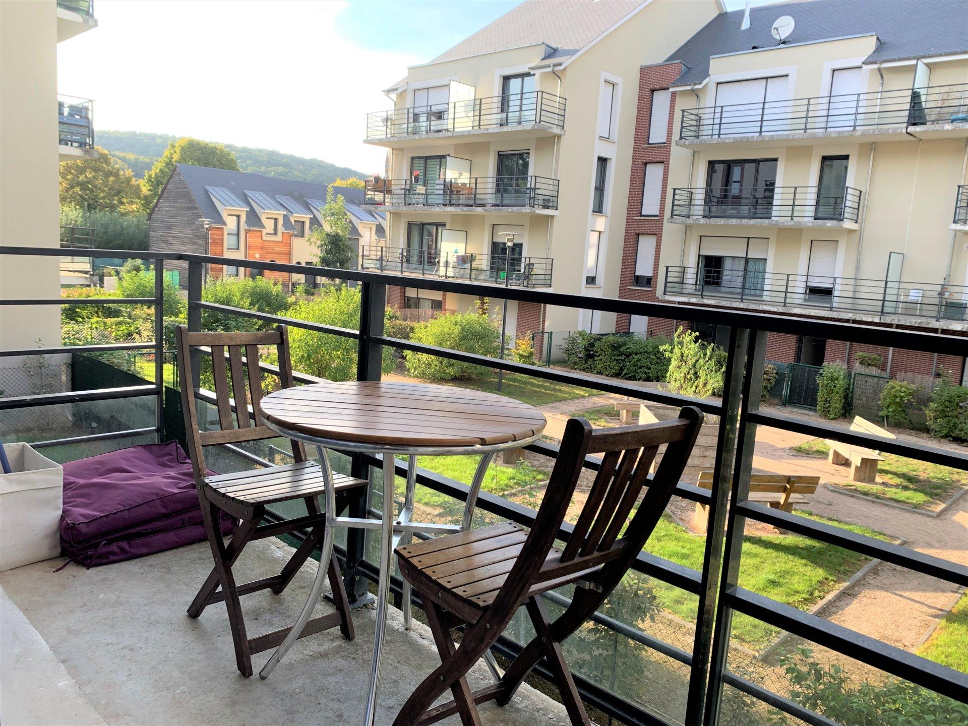 T2 avec balcon et place de parking