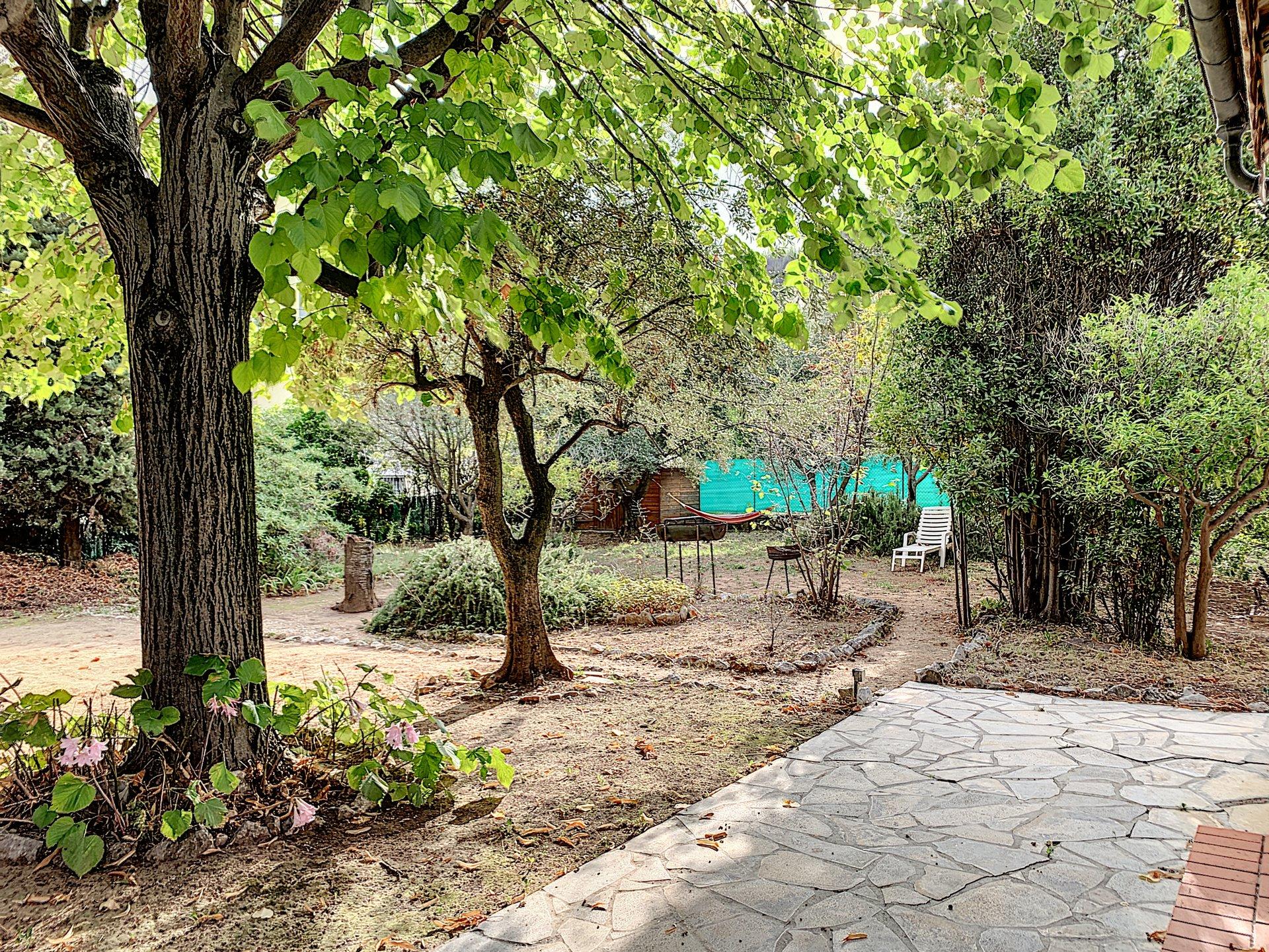SAINT LAURENT DU VAR - Villa 2 chambres - 3 pièces