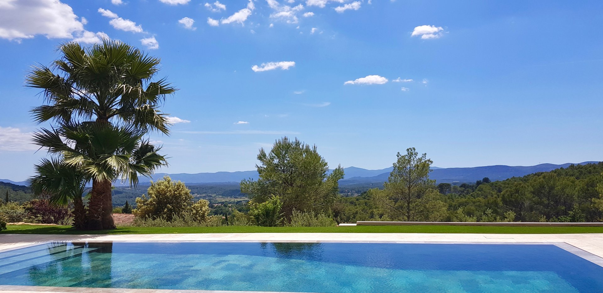 House with the perfect view in Lorgues!