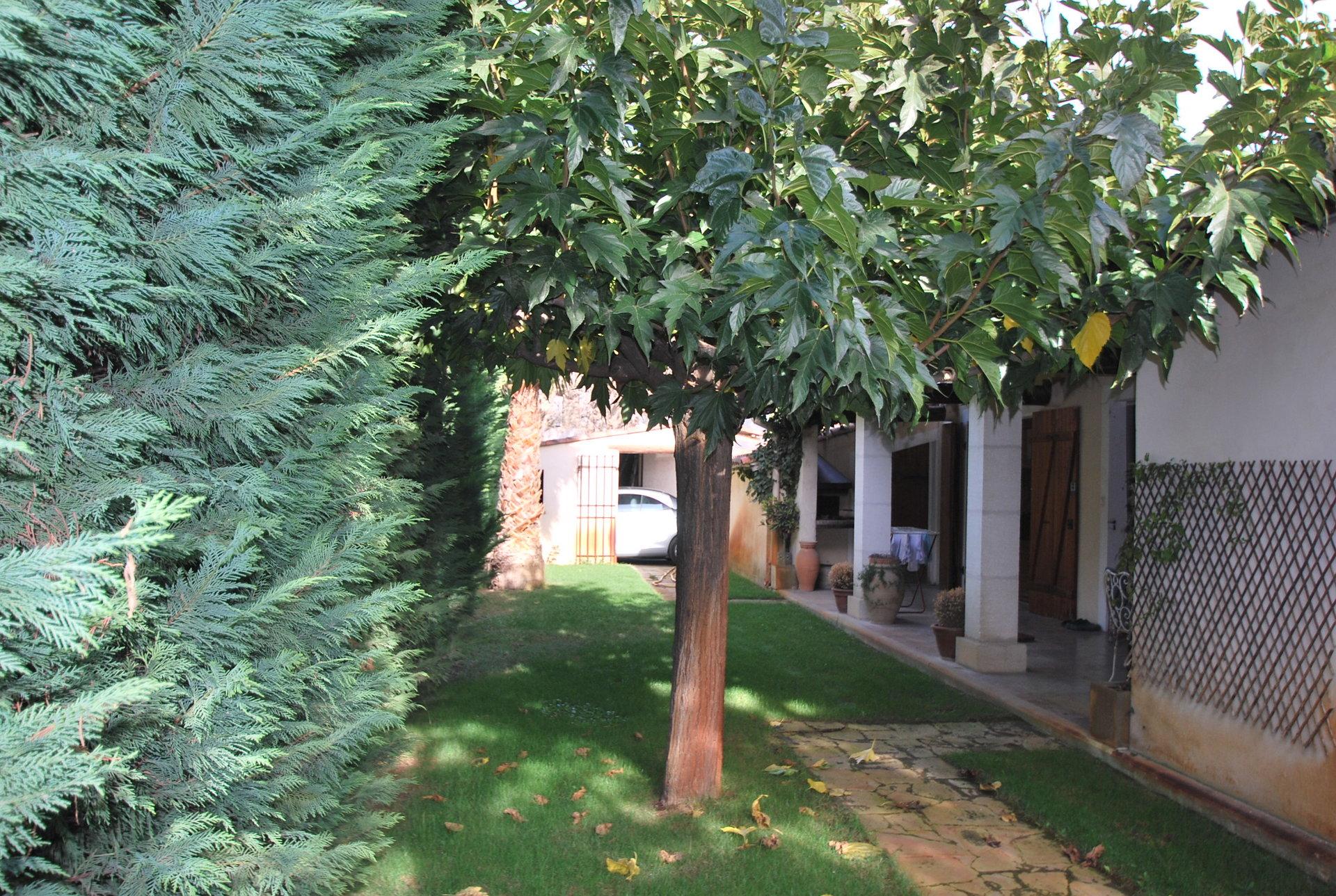Maison de plain pied à Arles