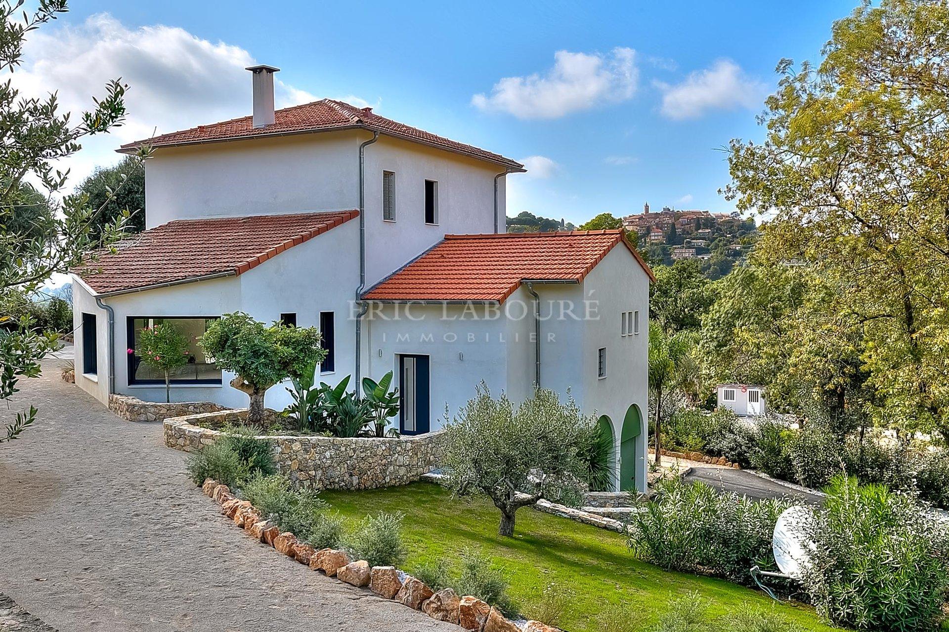 Vente luxueuse villa provencale rénovée - Vue dégagée