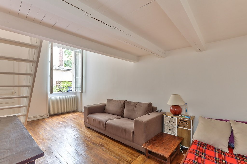 A VENDRE A LEVALLOIS-PERRET APPARTEMENT DE 2 PIECES  MARCHE HENRI BARBUSSE