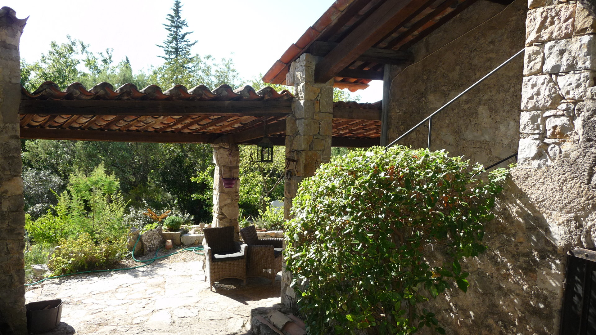 Fayence:  stone house 18è.s on a plot of 1 ha, panoramic view.