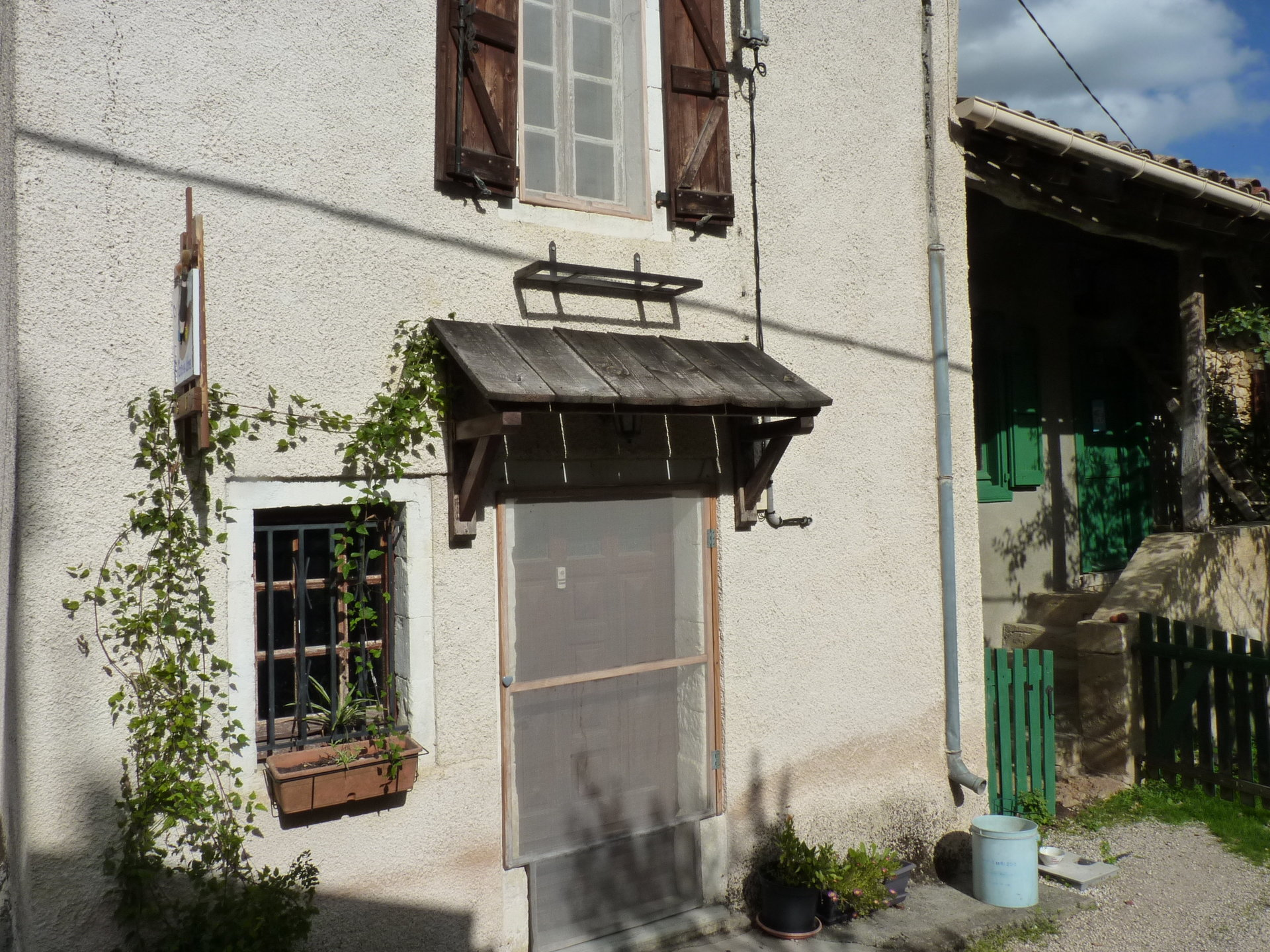 Near Aurignac, real estate complex with 2 houses on 4705m² land with outbuilding