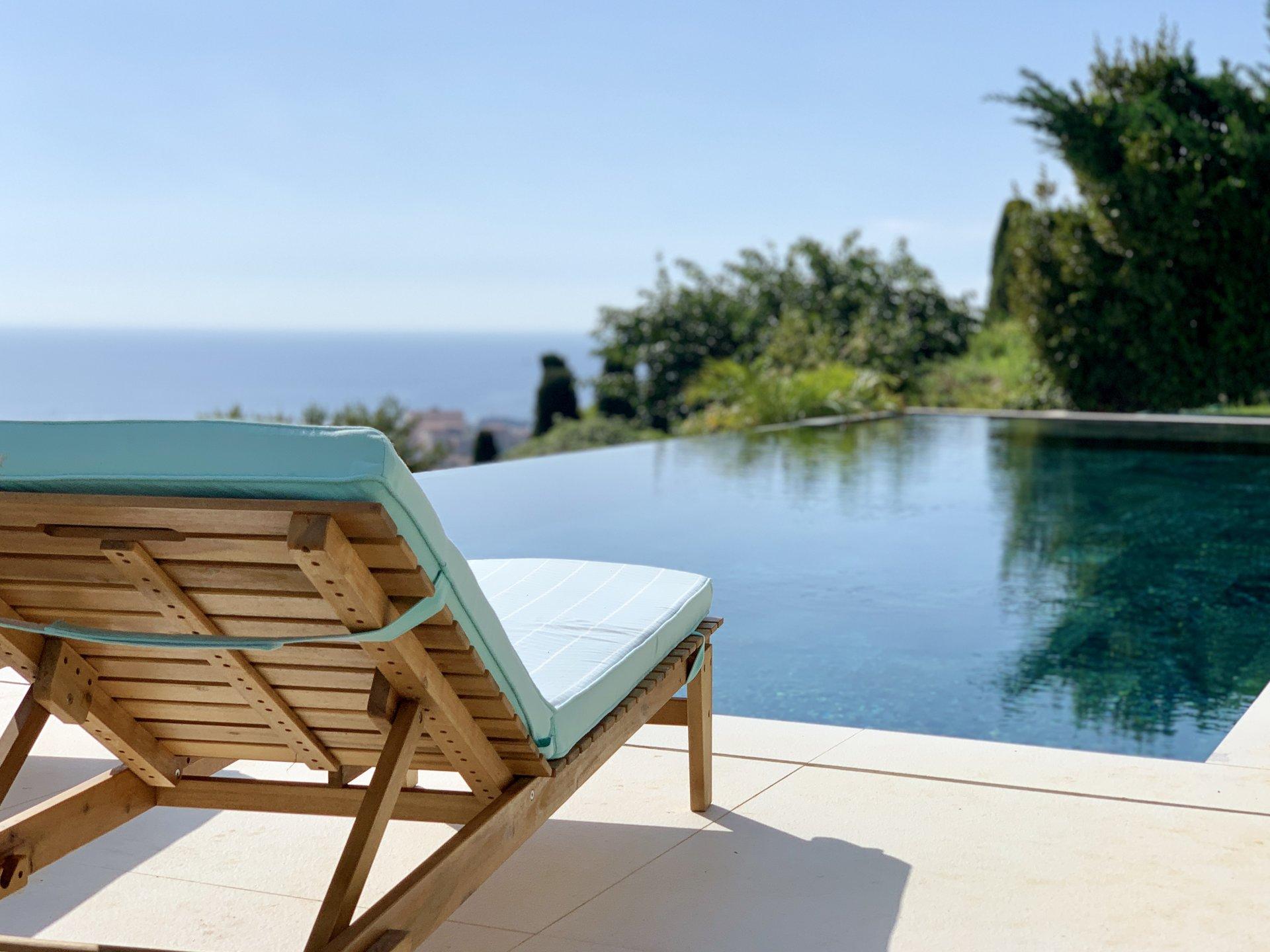 Villa contemporaine avec vue mer panoramique, piscine et parkings - Vallauris