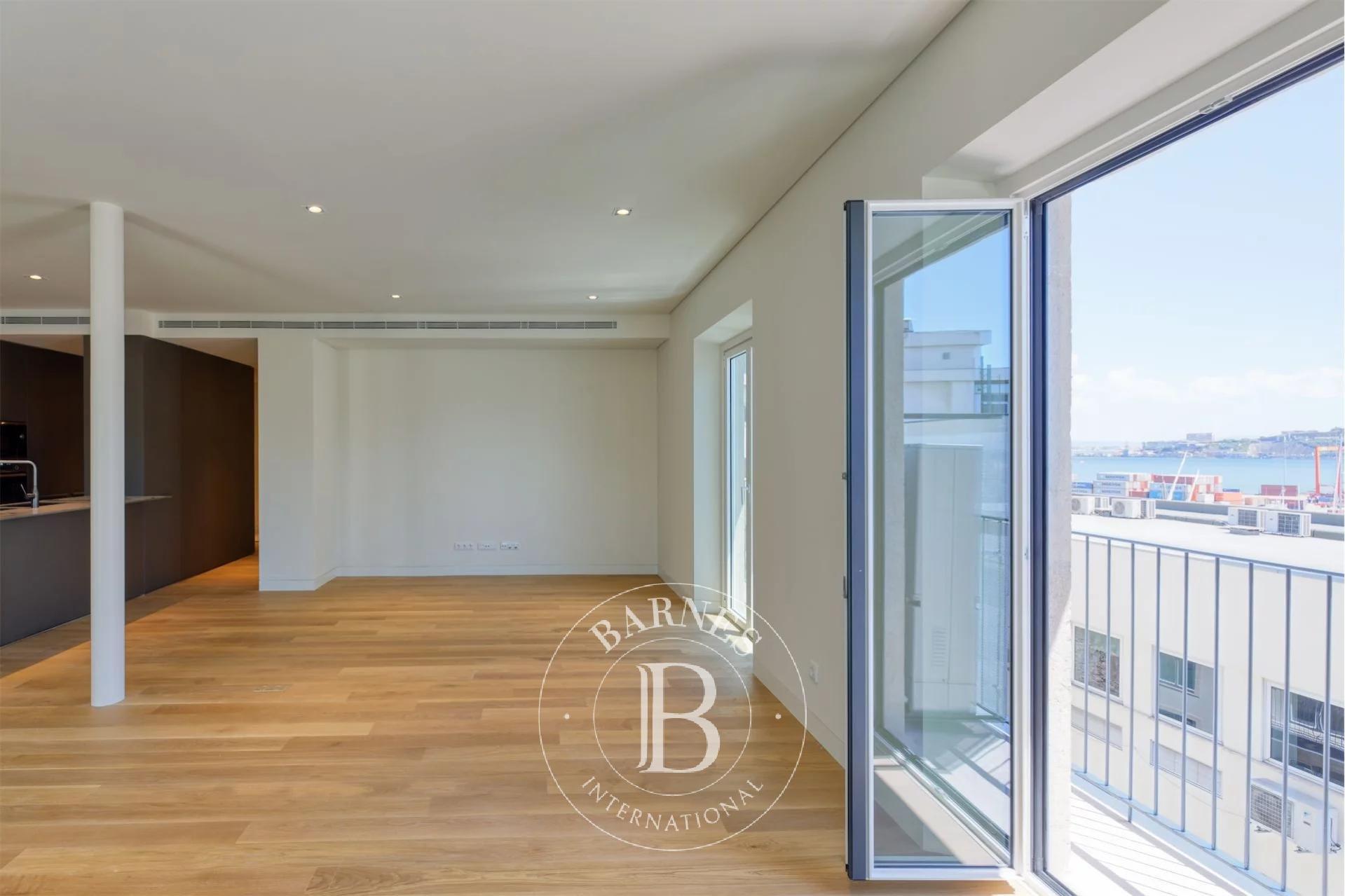 LUMIA Lisbon Apartments
