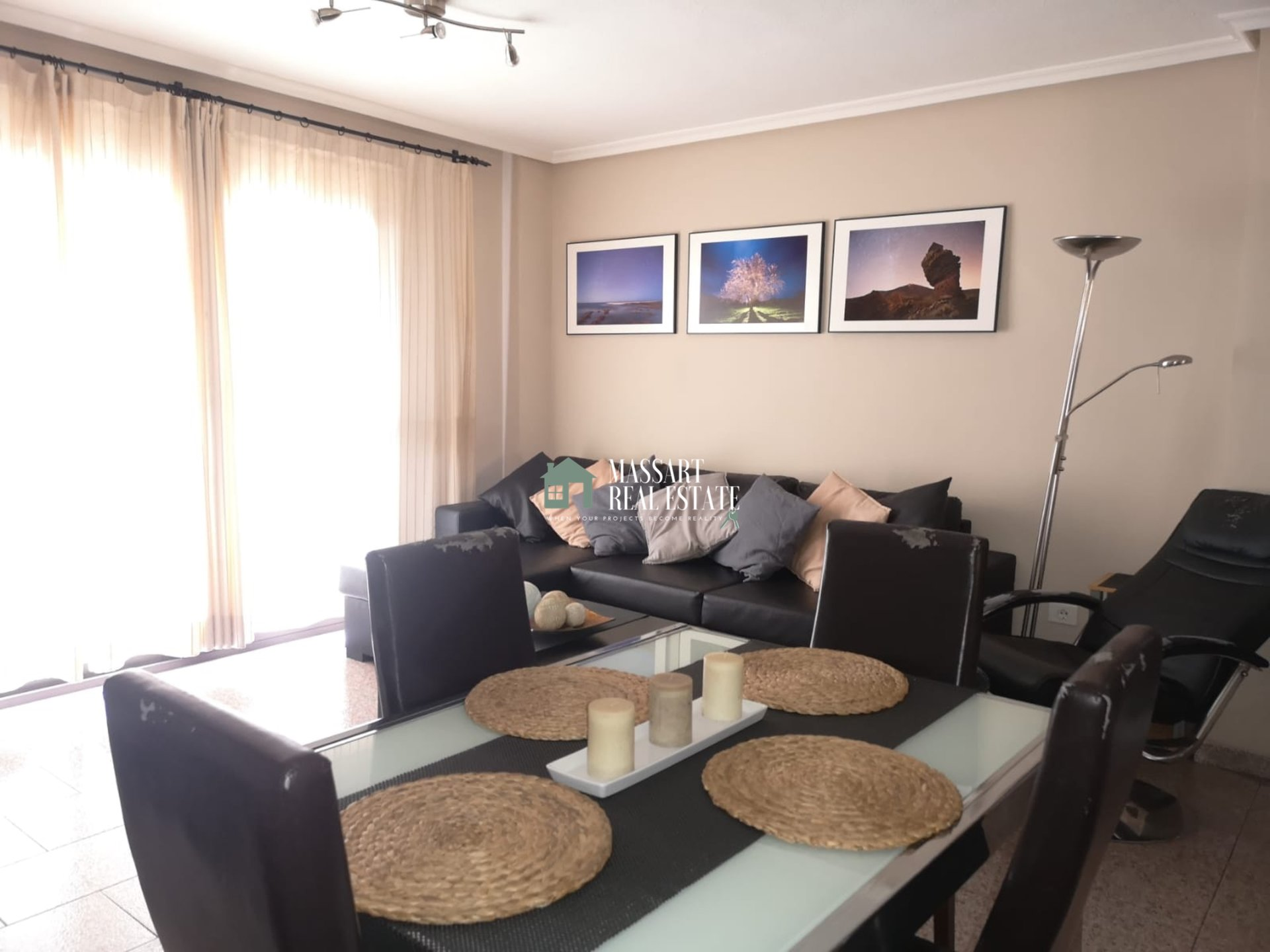 For sale in the well-known municipality of Adeje, 90 m2 apartment with a strategic distribution.