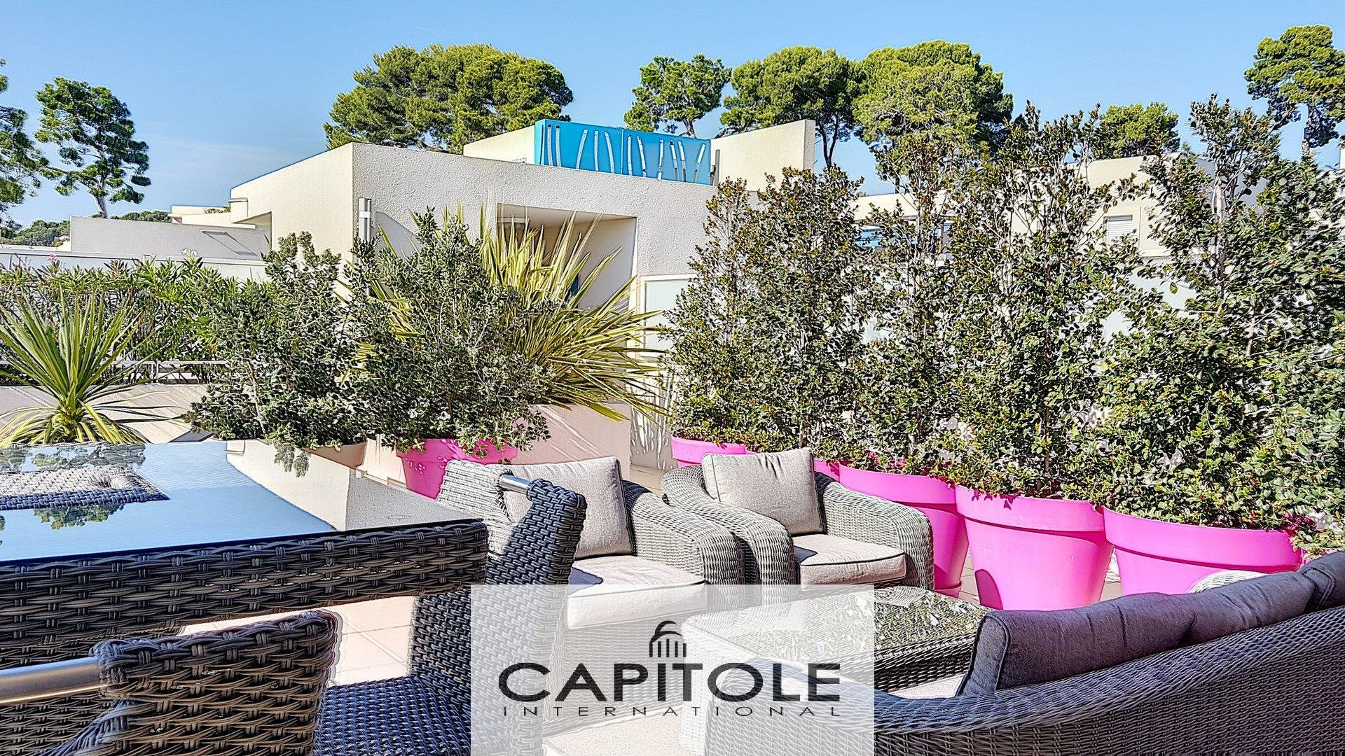 For sale, Antibes, 2 bedroom penthouse of 77.13m², 80 m² terrace, open sea view, double garage