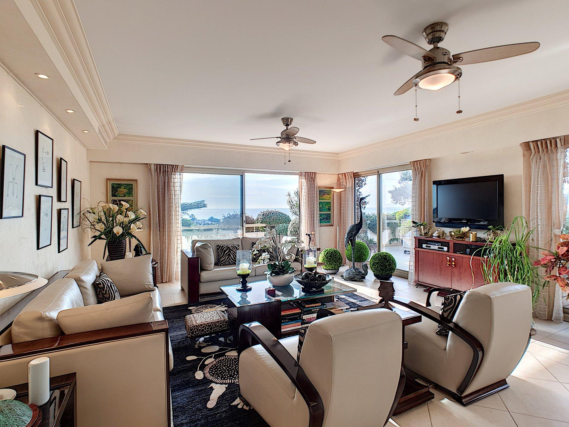 Penthouse i Cannes Croix des Gardes med panoramautsikt
