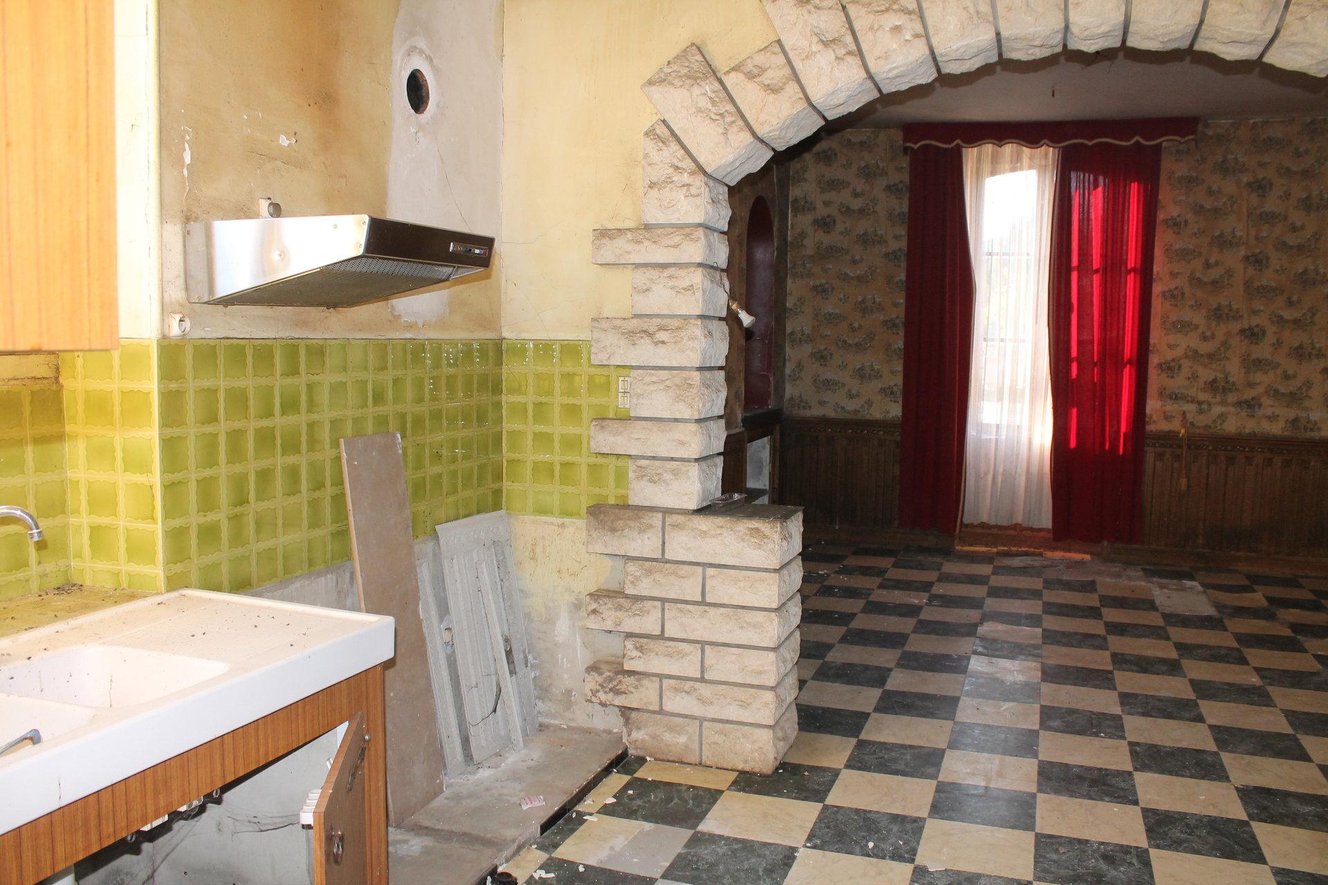 Ancien hotel 12 pièces+ 4 dépendances