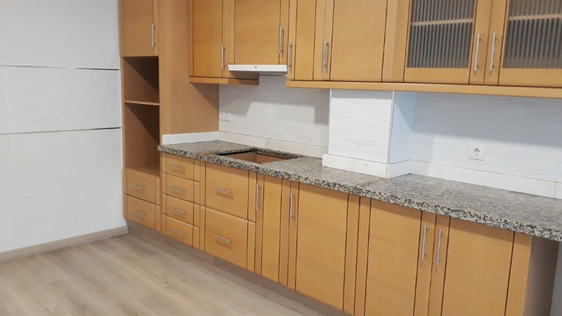 Large Refurbished Apartment Near Torrevieja Church Square