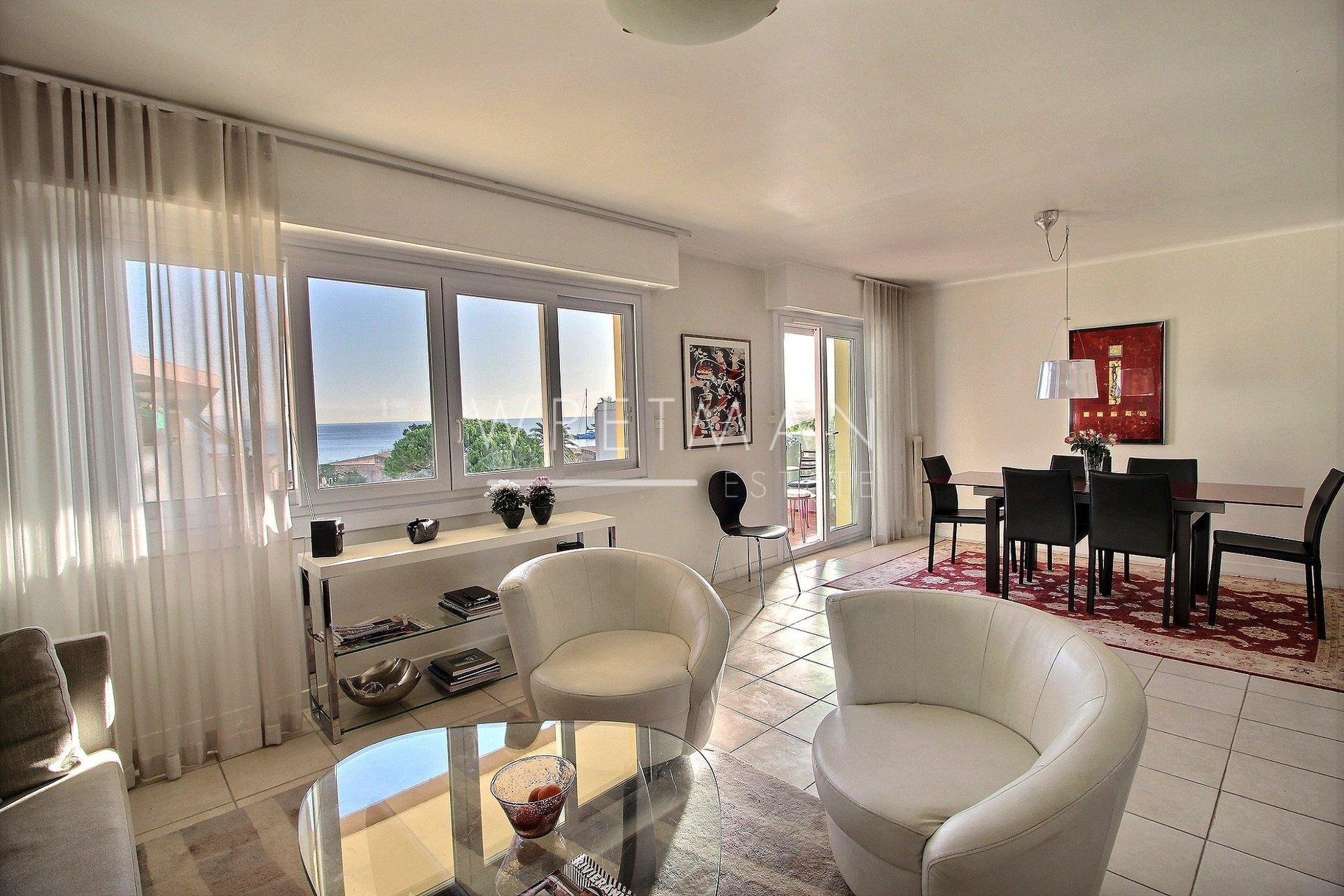 Sea view apartment - Antibes Center ville
