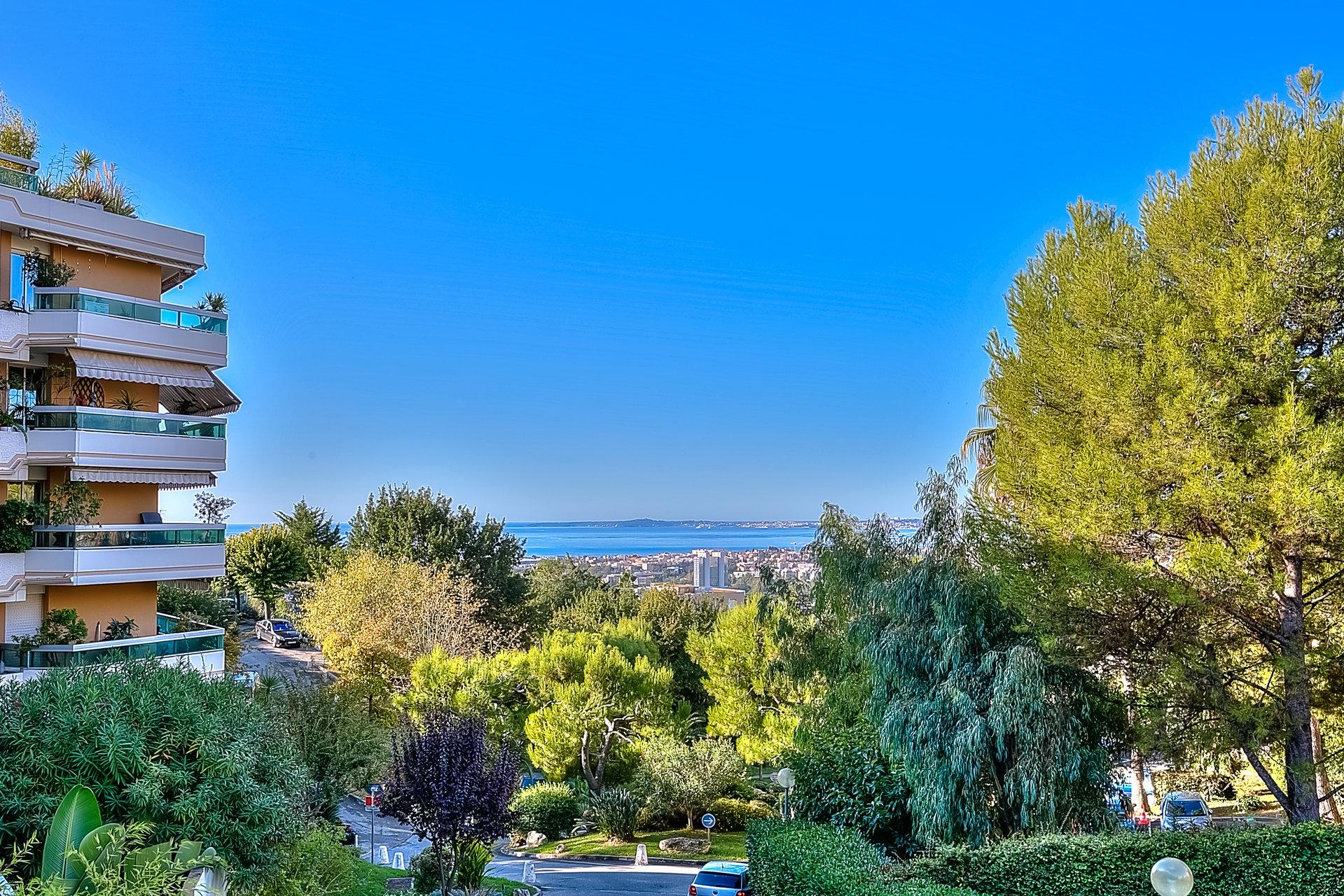 3 pièces à vendre Nice, Corniche Fleurie