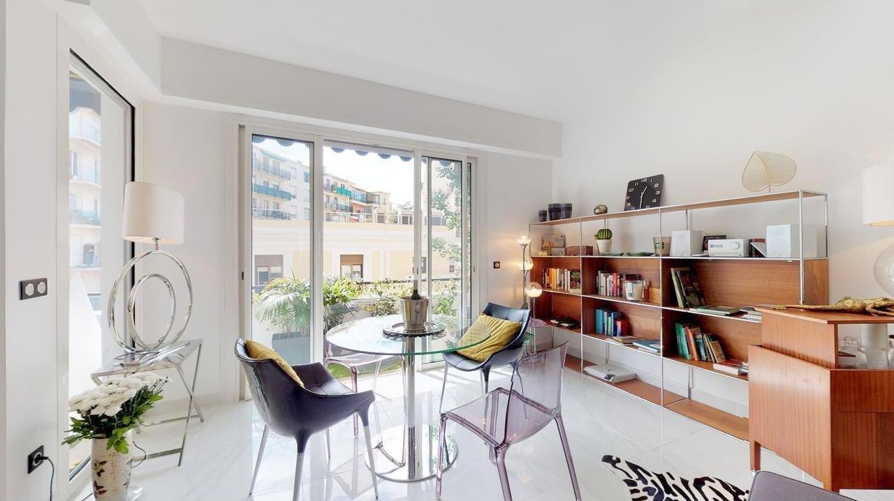 FÖRSÄLJNING Lägenhet 3 rum 80m² Nice Centrum Terrass Balkong