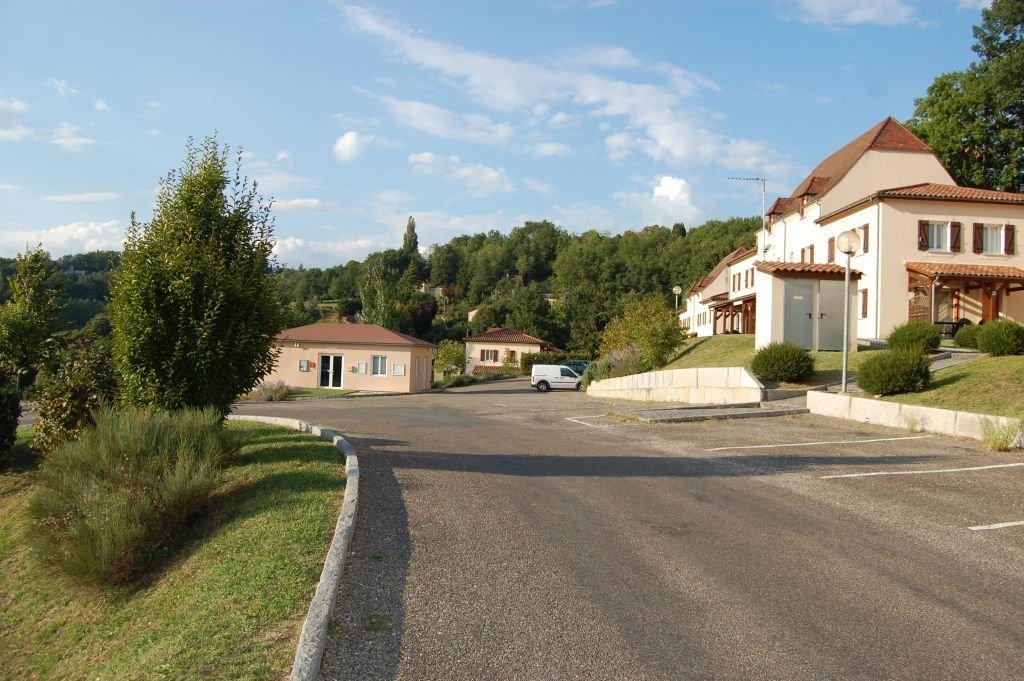 DORDOGNE - Border Sarlat, 2 bedroom villa in residence