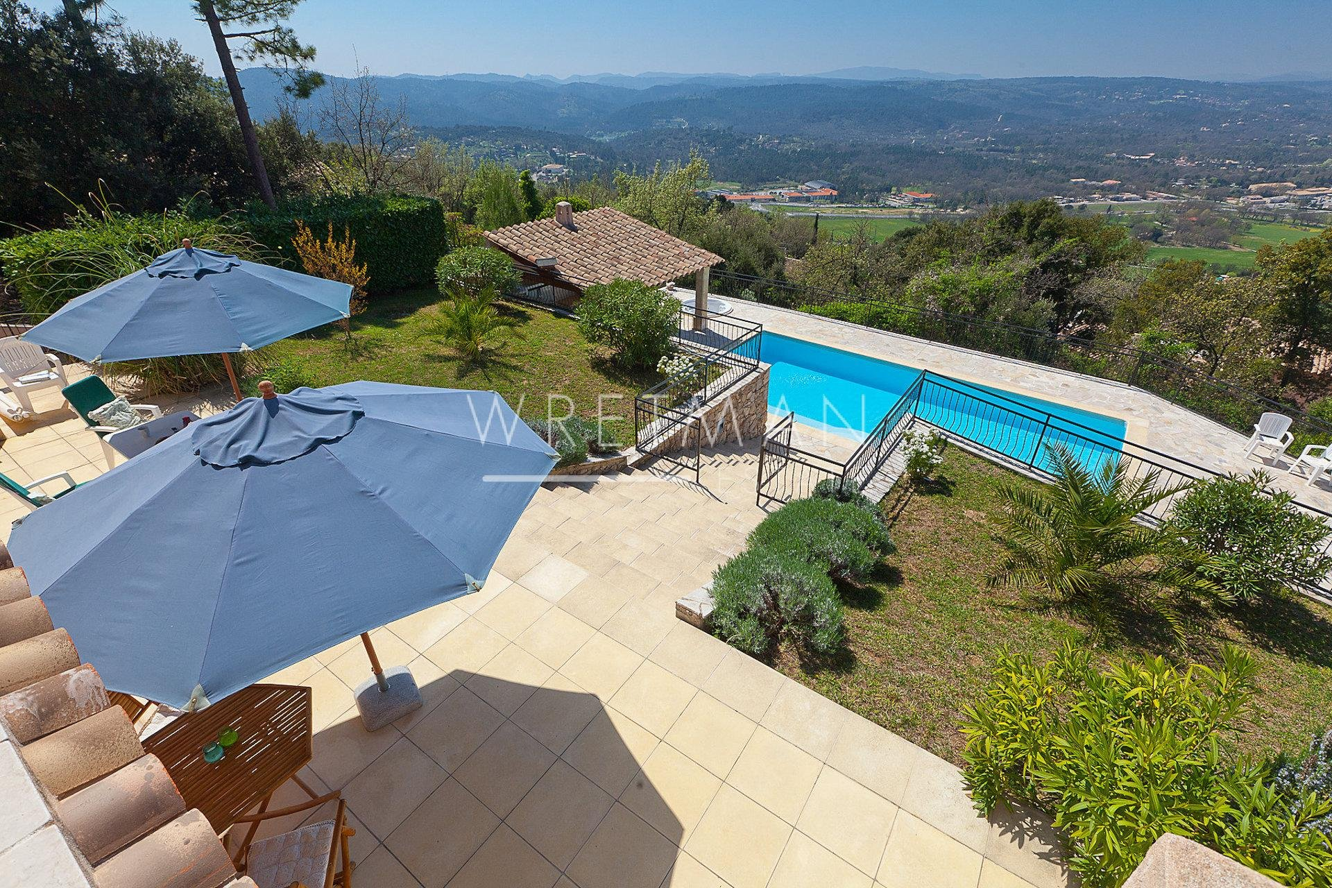 Superb villa with panoramic view - Montauroux