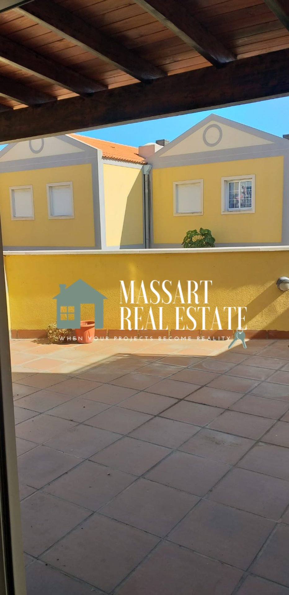 For RENT OR SALE, townhouse of 170 m2 located in San Miguel.