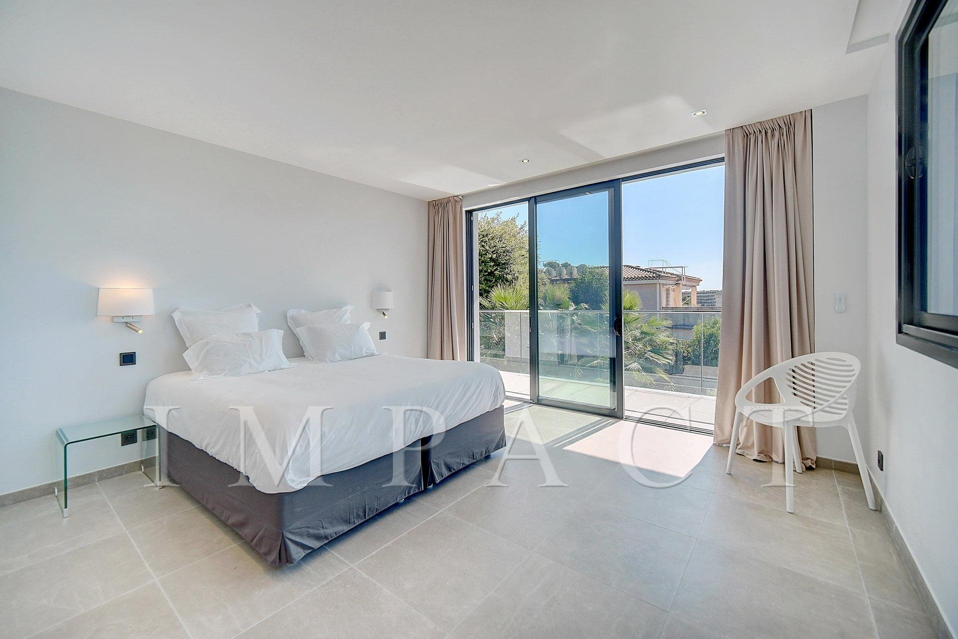 Magnifique villa contemporaine à louer - Proche Cannes