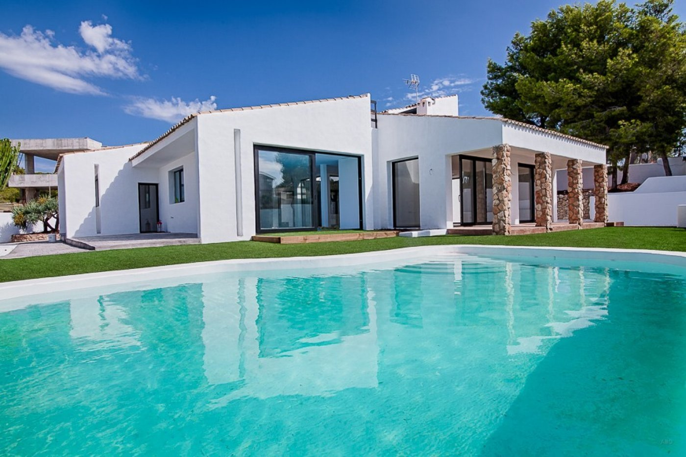Large villa completely renovated in semi Ibiza-style