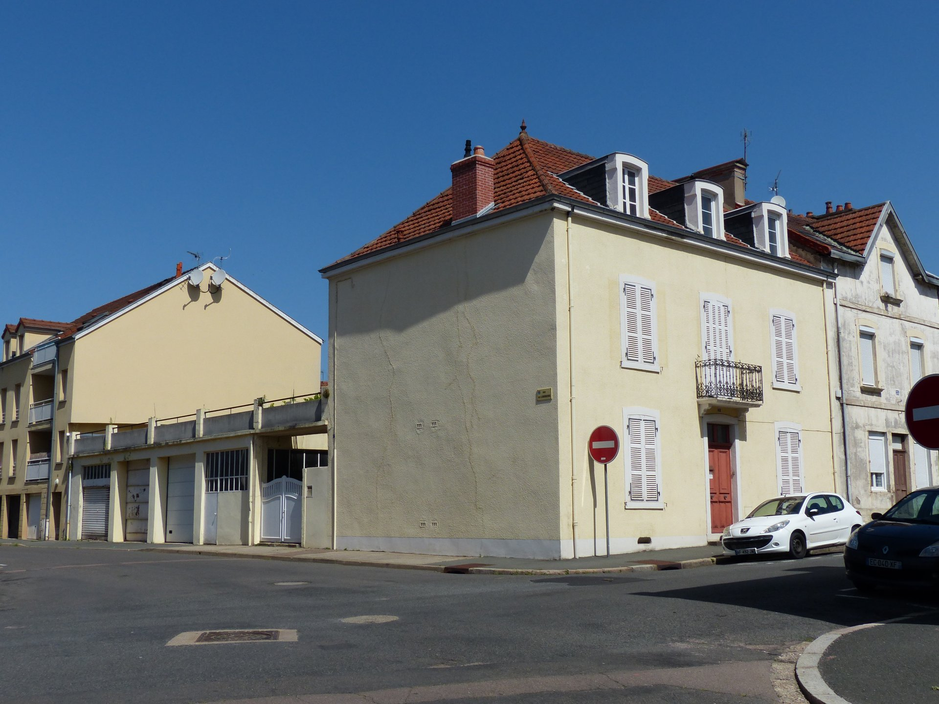 Le Creusot, IMMEUBLE DE DEUX APPARTEMENTS