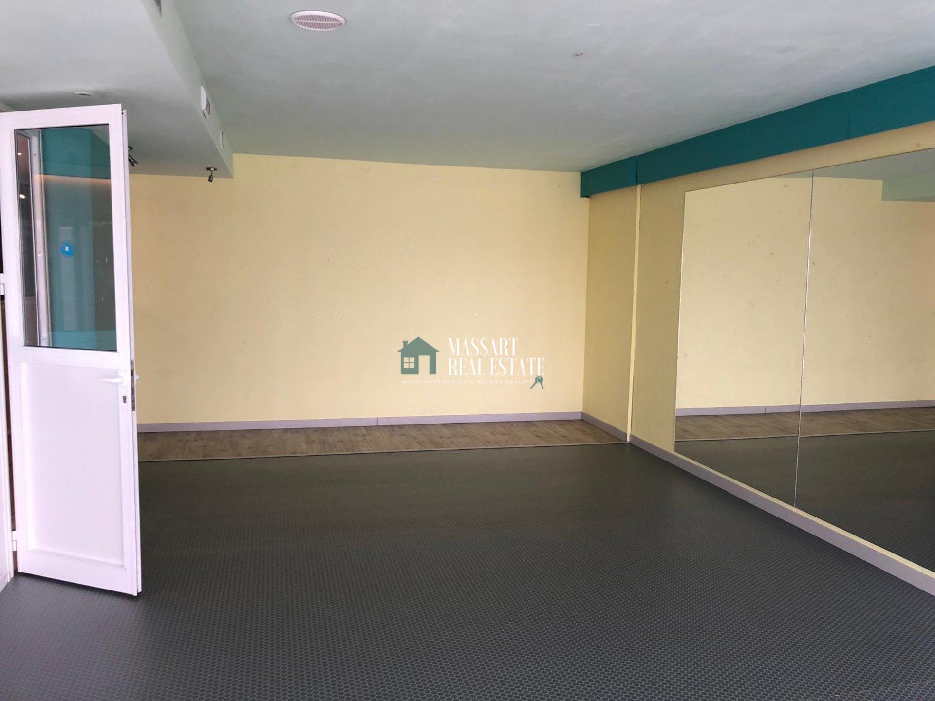 Zu vermieten in Adeje, in der Gegend von El Madroñal, einem lokalen Komplex von 154 m2.