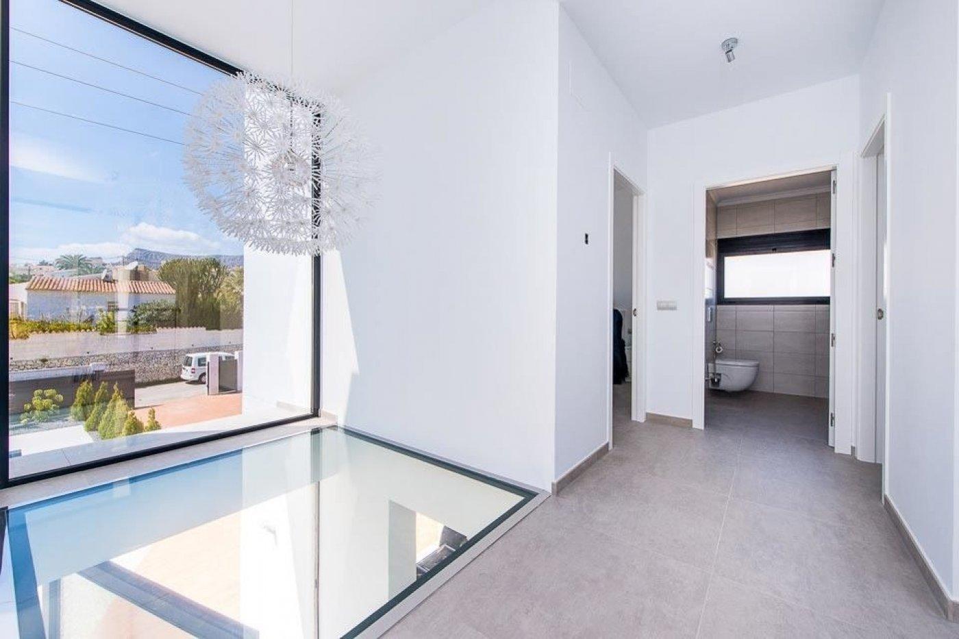 New villa with hypermodern design in Calpe