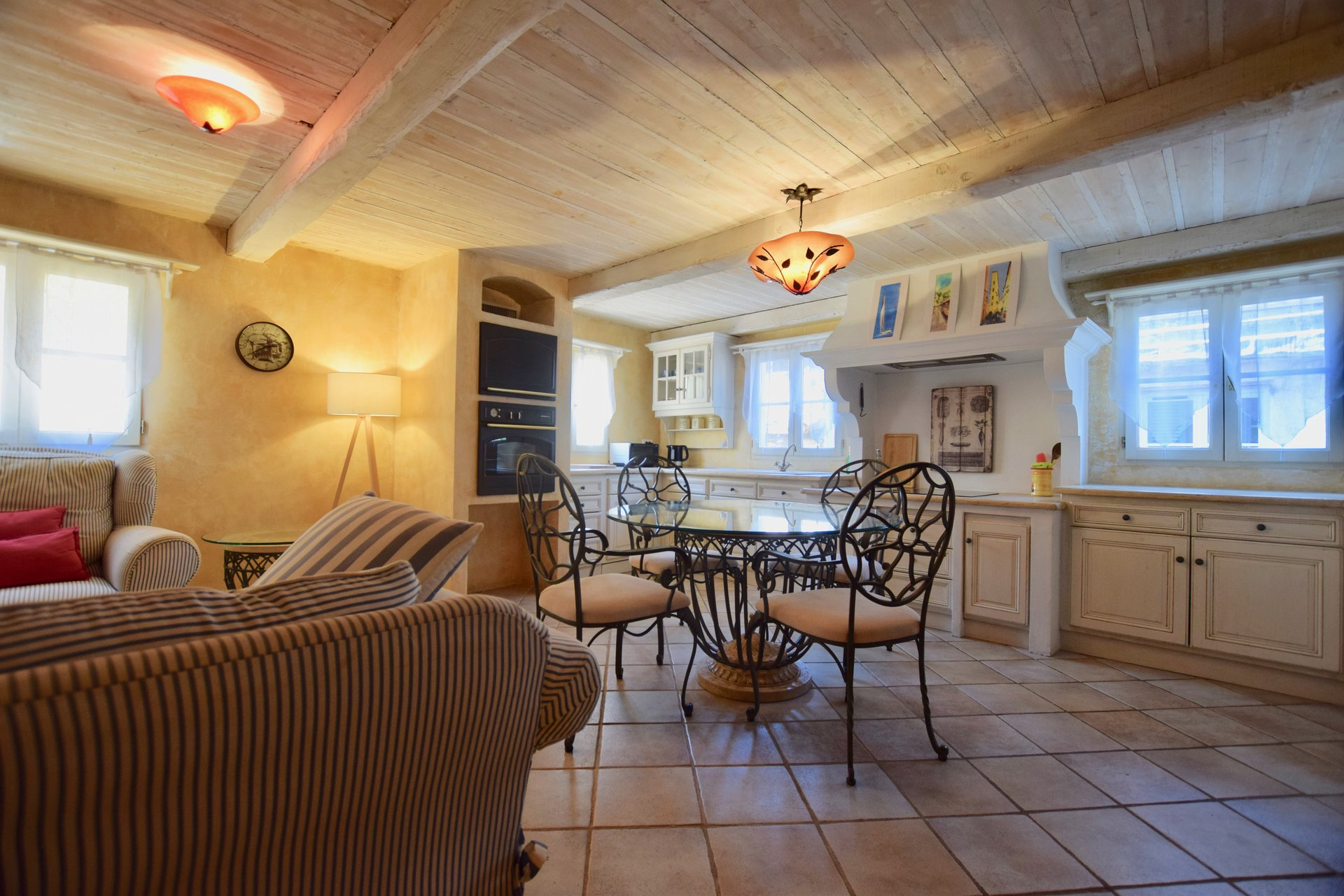 FOR SALE TOWN HOUSE IN THE OLD TOWN OF ANTIBES