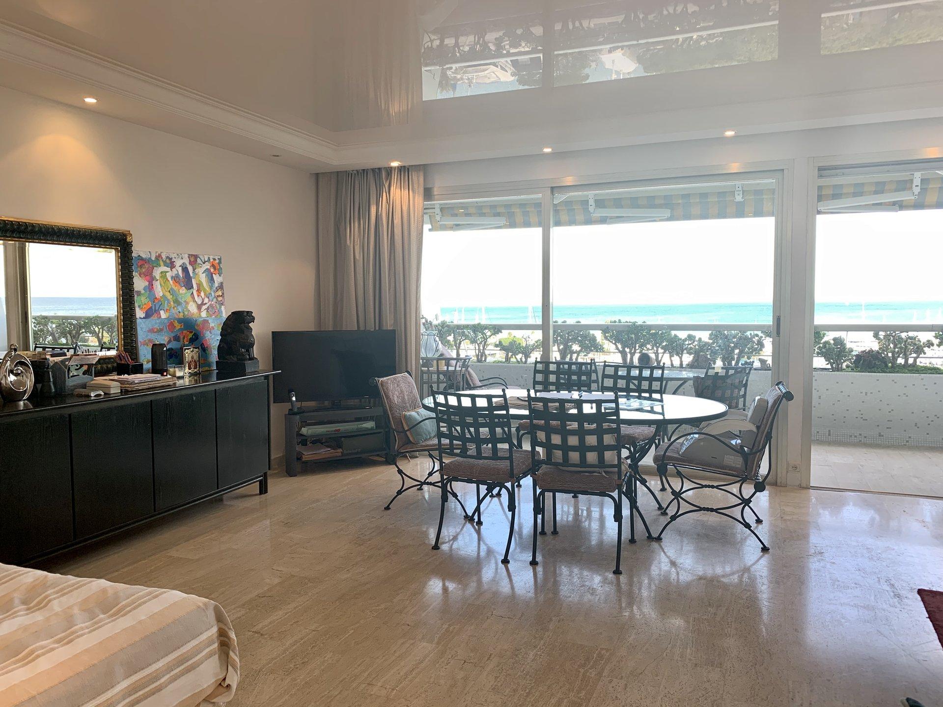 3P meublé avec la terrasse, garage et vue mer, Marina Baie des Anges