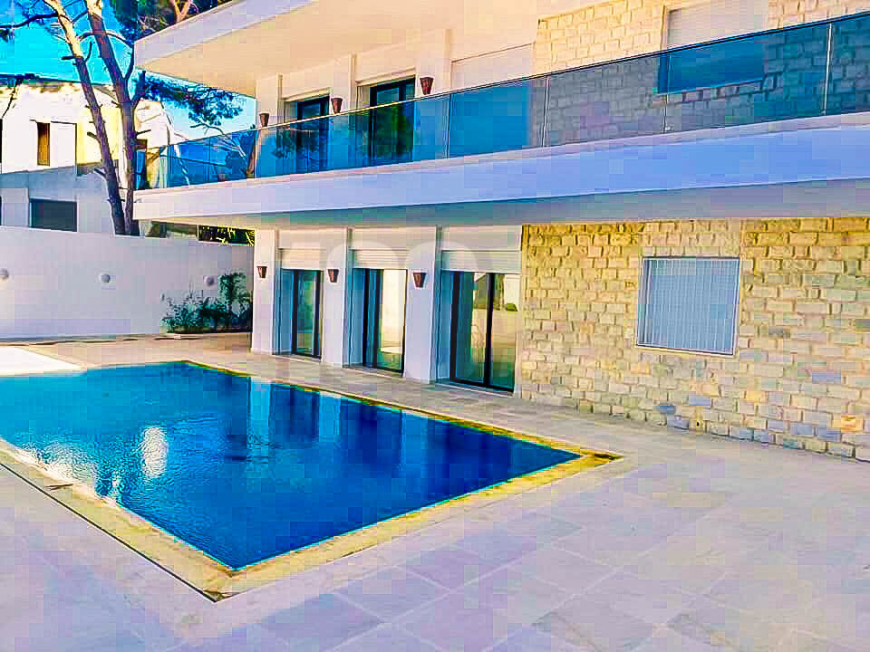Location Villa S+4 avec piscine à Gammarth Supérieur