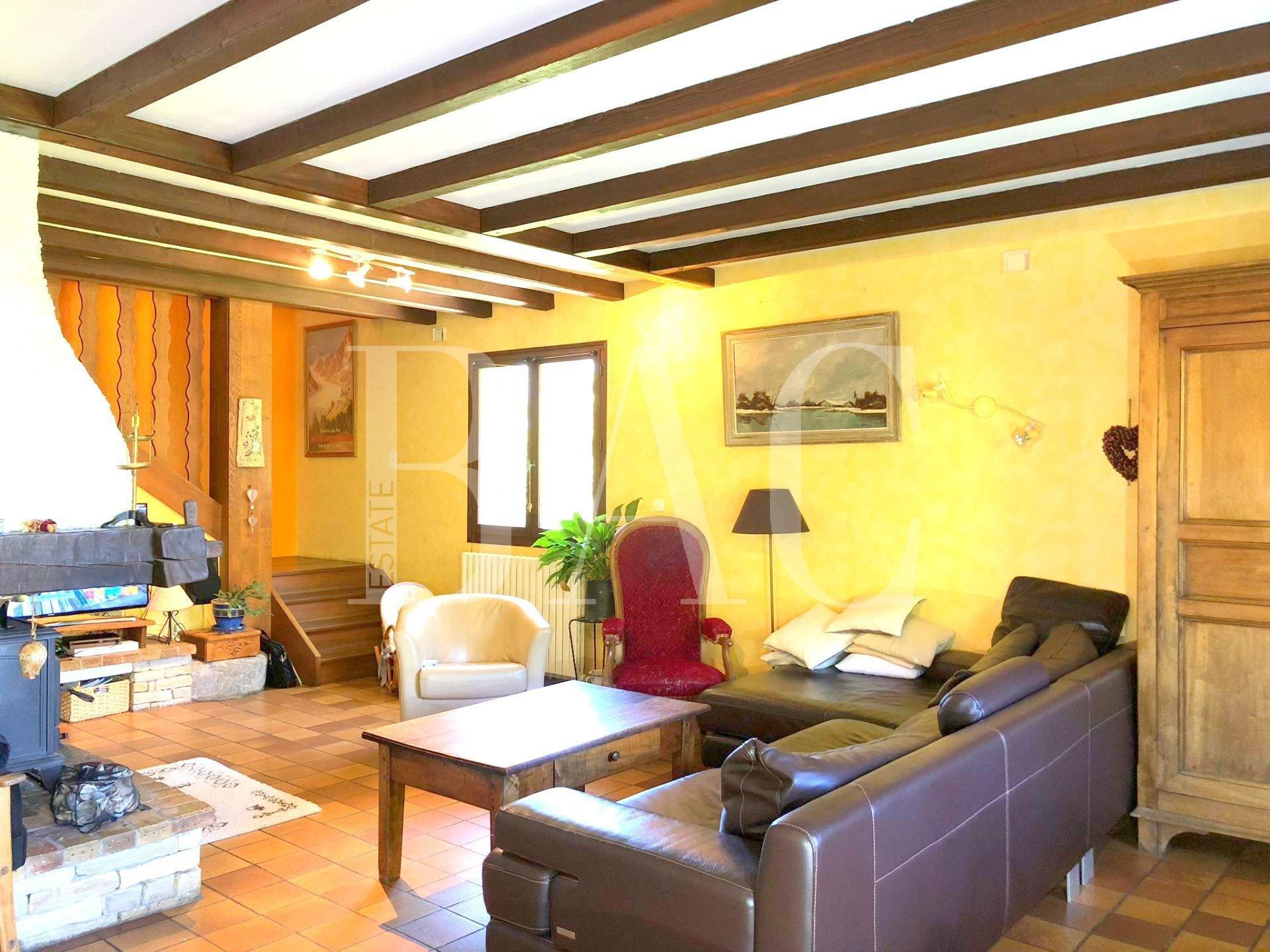 Belle villa 200 m² proche Albertville avec piscine et 4 ha de terrain