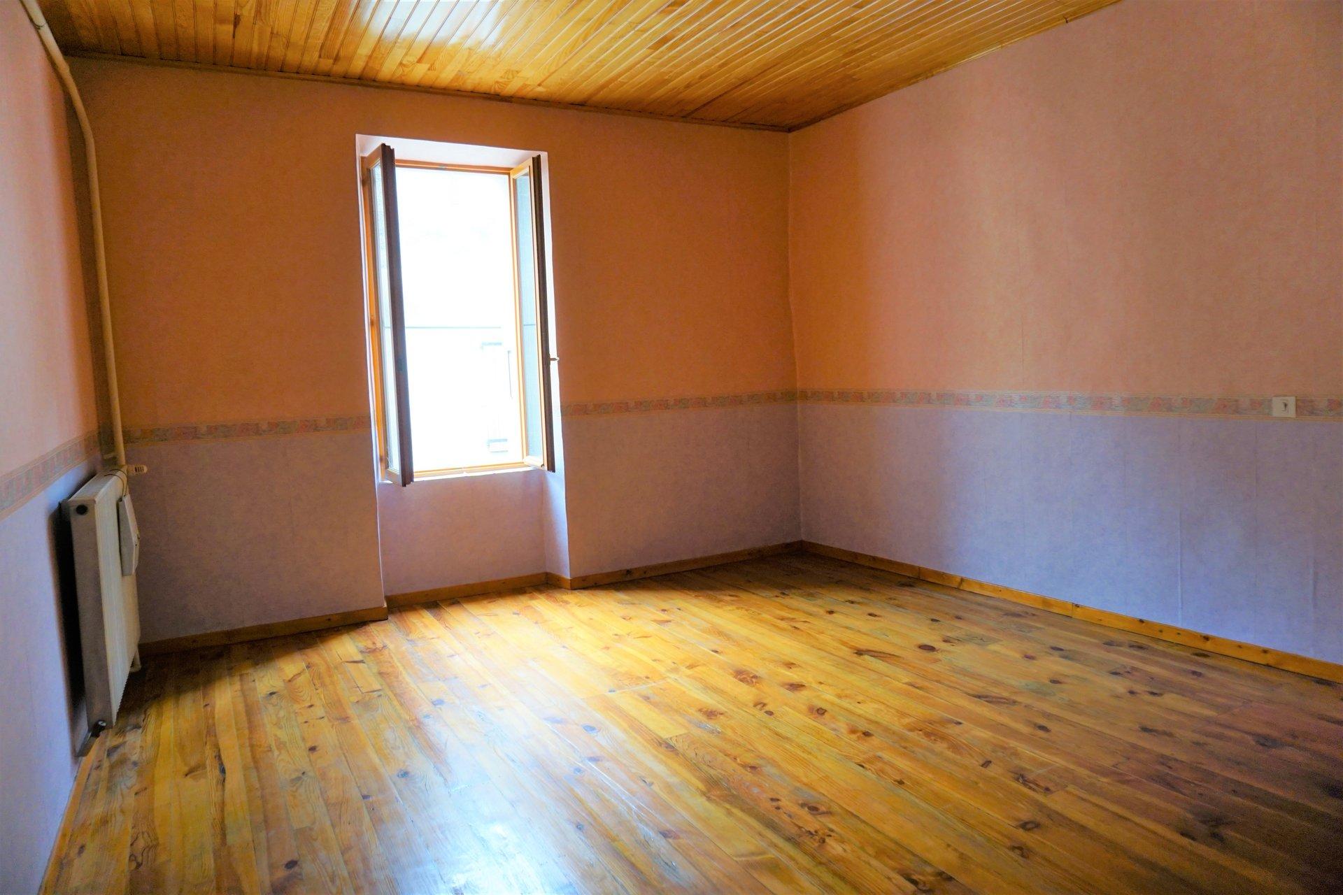 Chambre 2 avec parquet
