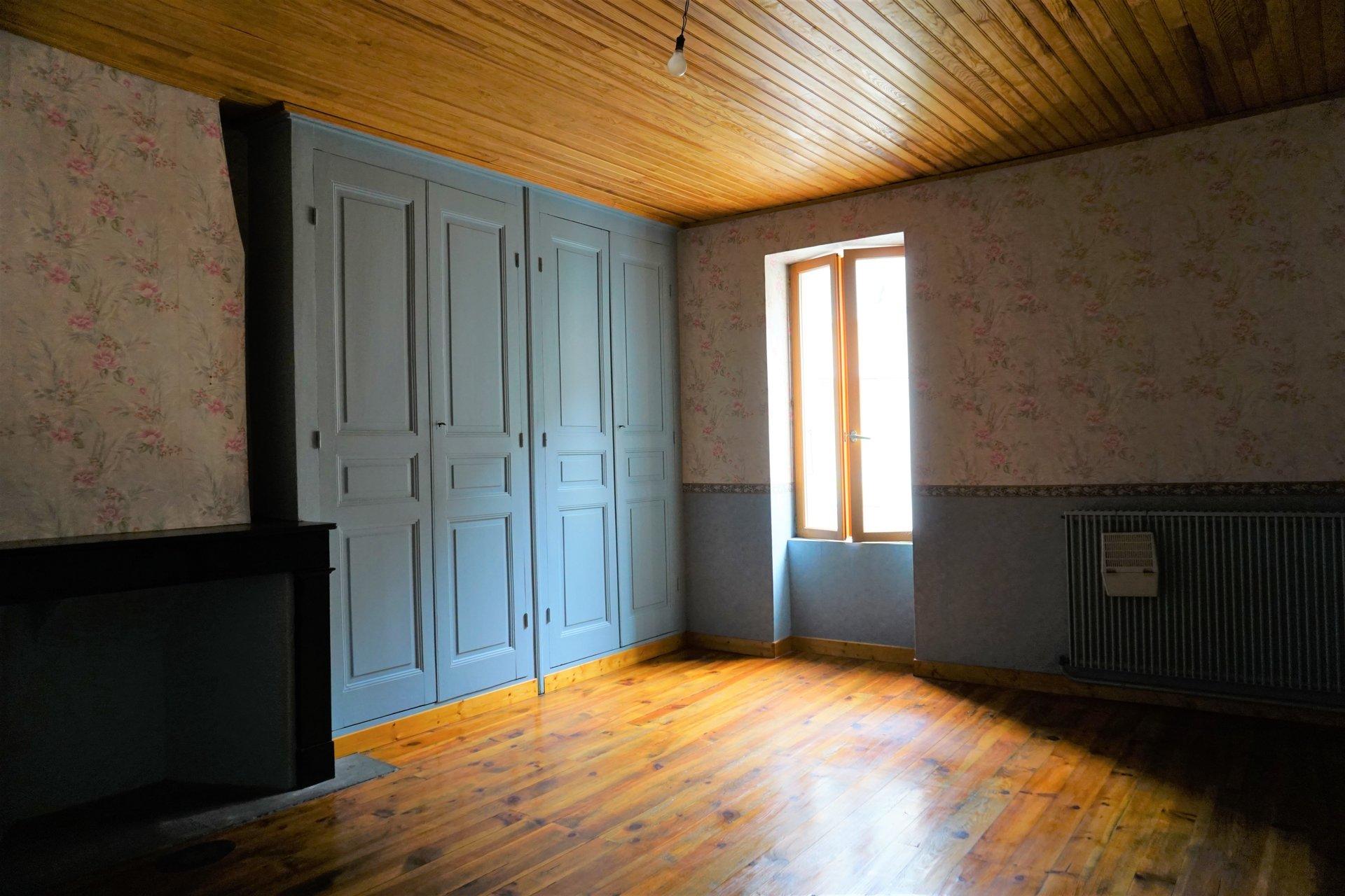 Chambre 3 avec parquet