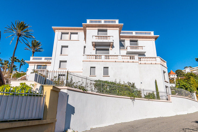 Hôtel particulier entièrement rénové, prestations luxueuses dans la Californie Cannes
