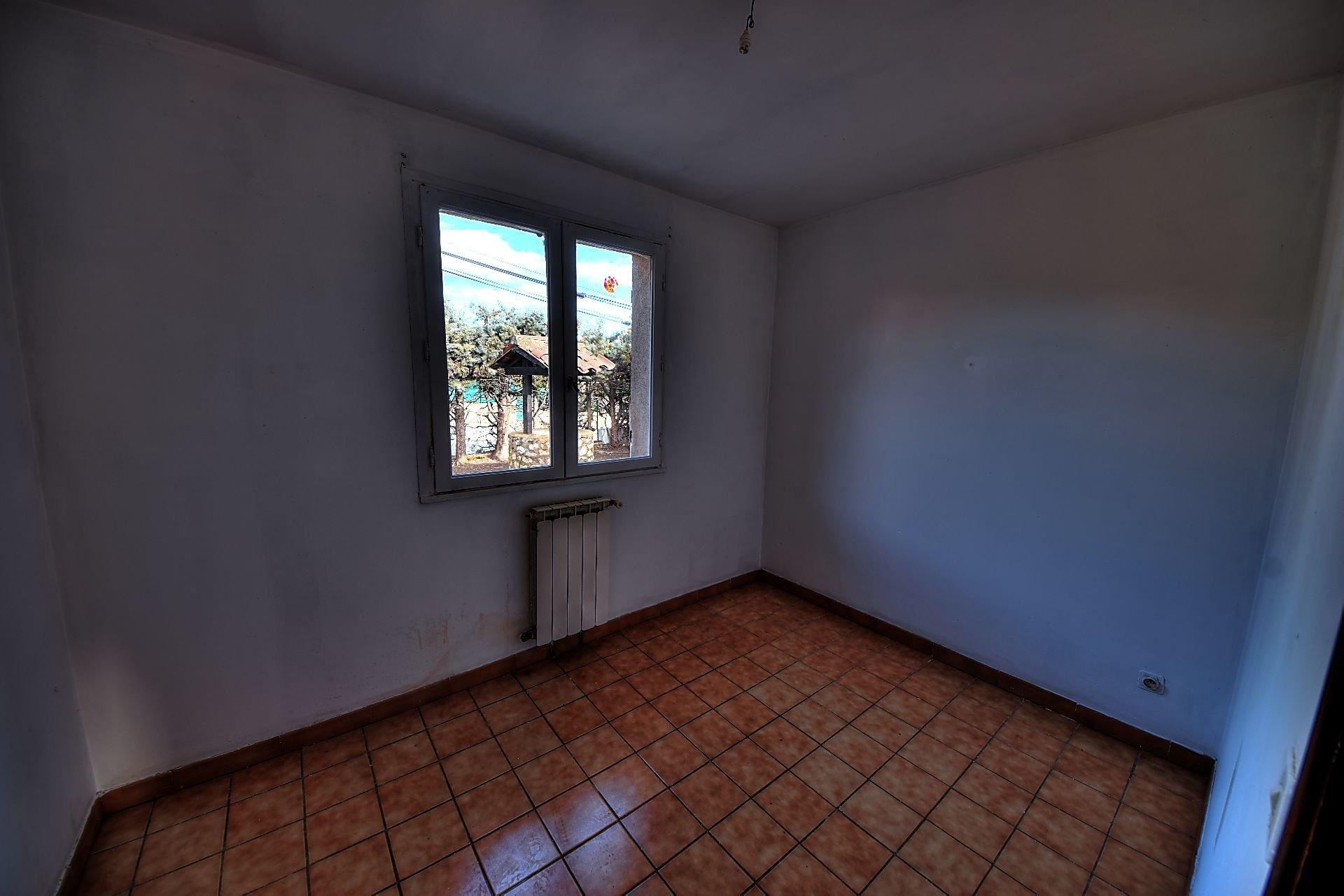 Small 3 bedroom villa, Régusse, Var, Provence