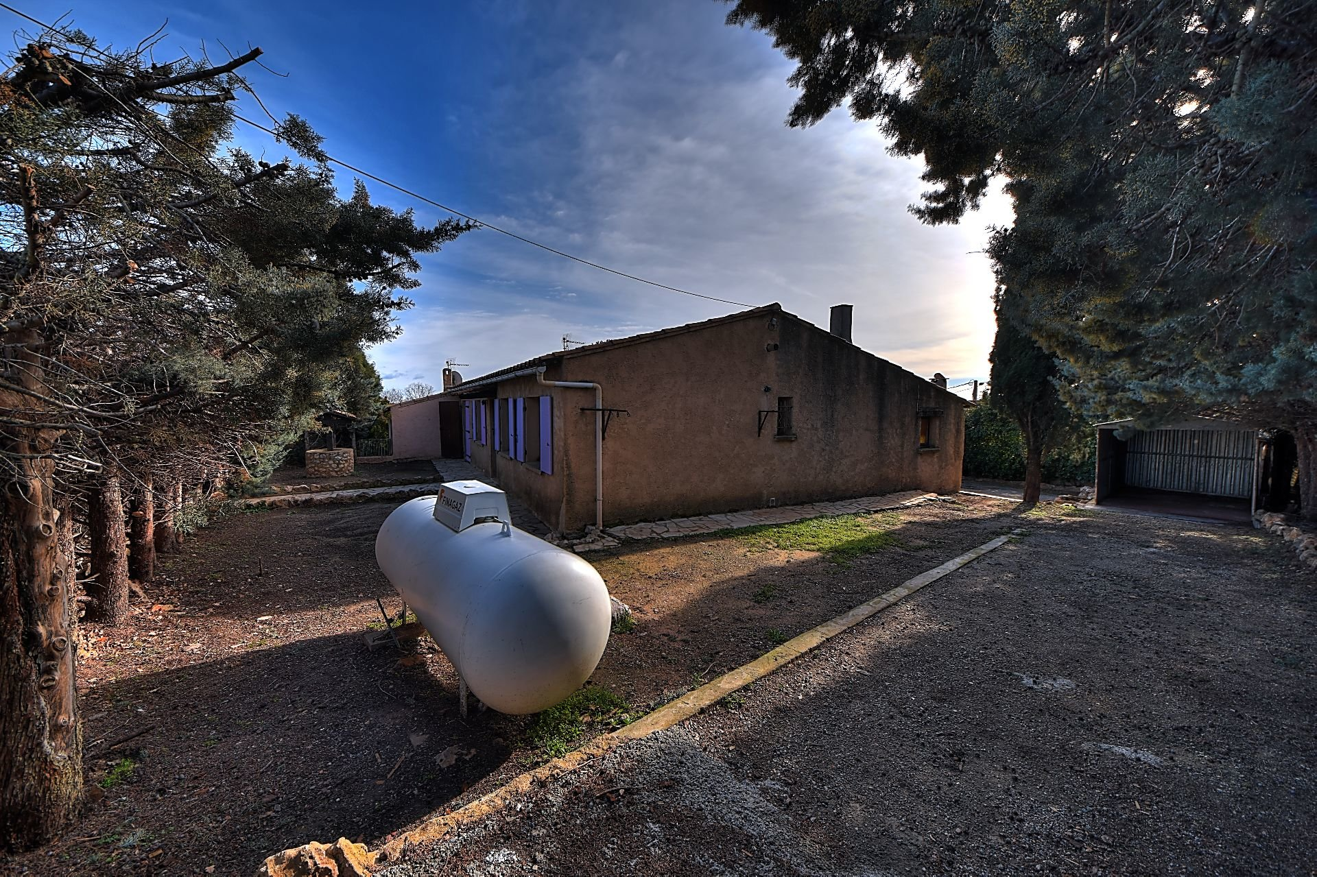 Petite villa 3 chambres, Régusse, Var, Provence