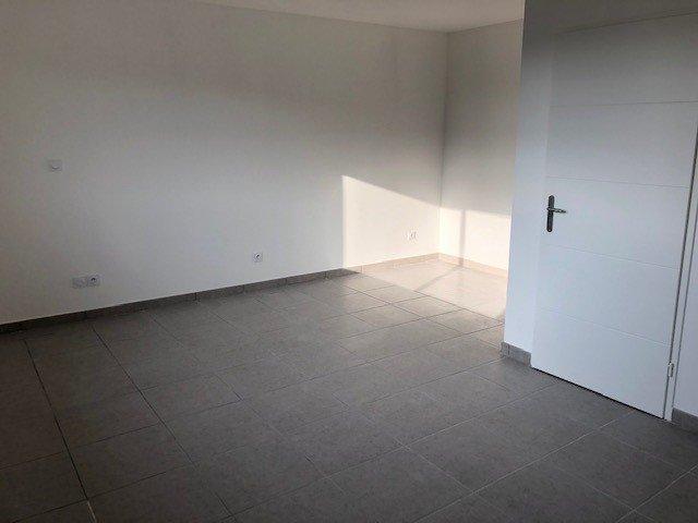 SAINT-ETIENNE - Studio neuf avec une place de parking
