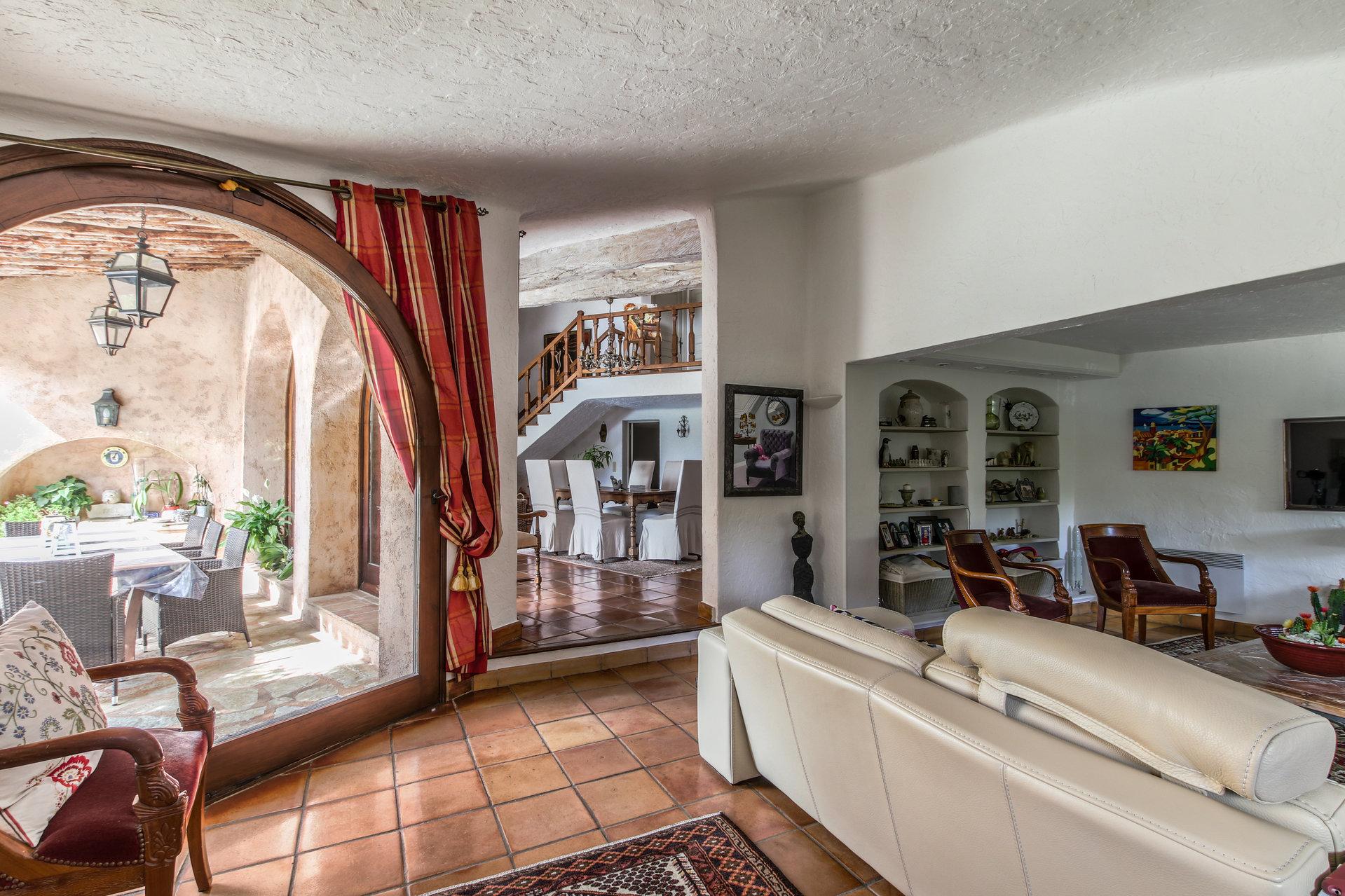 For sale CENTRAL PARK Architect villa 7 rooms