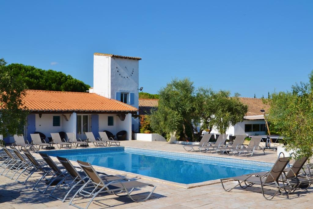 ECO TOURISM 30 ROOMS**** HOTEL IN THE HEARTH OF THE CAMARGUES