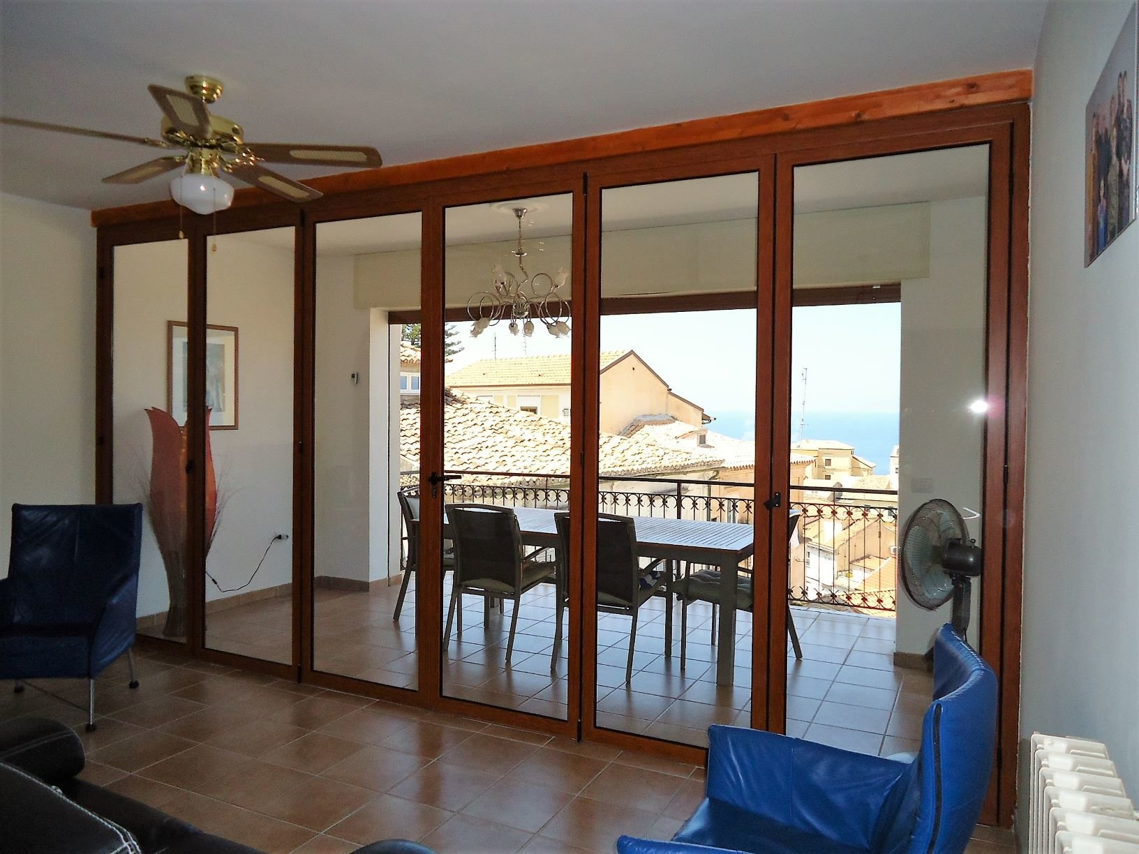 Newly renovated apartment with sea views in old town Pizzo