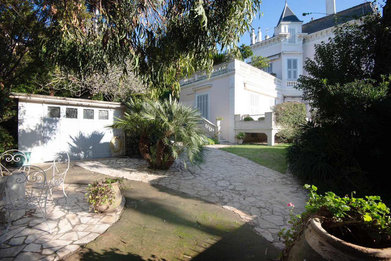 TO SELL CANNES CENTER 5P 180M² + 30M² TER.BOURGEOIS